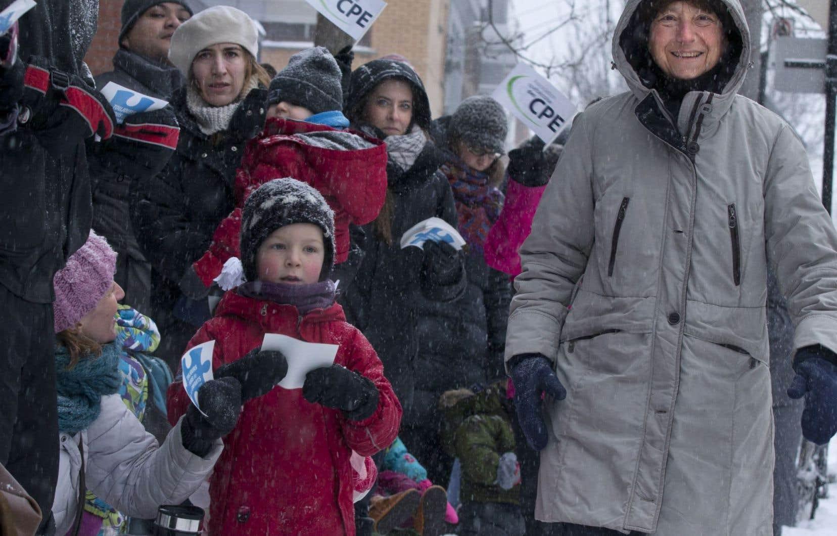 Françoise David, députée de Gouin et porte-parole parlementaire de Québec solidaire, participait à la mobilisation autour des CPE.