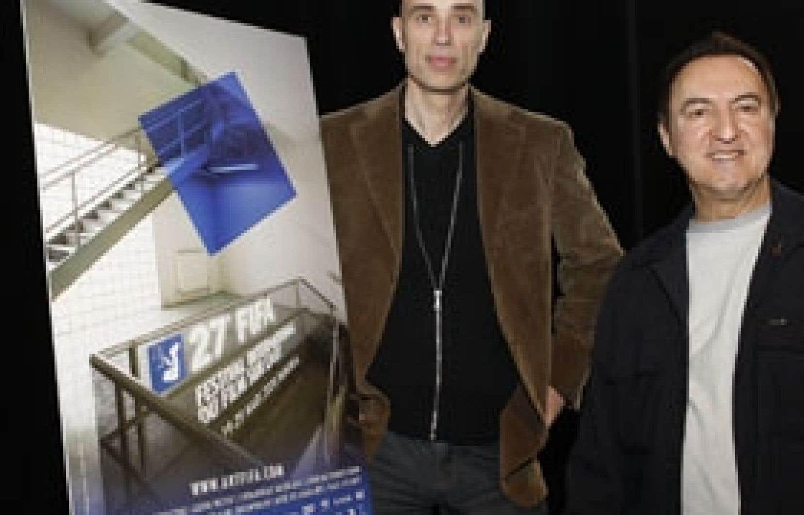 Le porte-parole du FIFA et comédien James Hyndman présentait la programmation avec le directeur et fondateur du festival, René Rozon.
