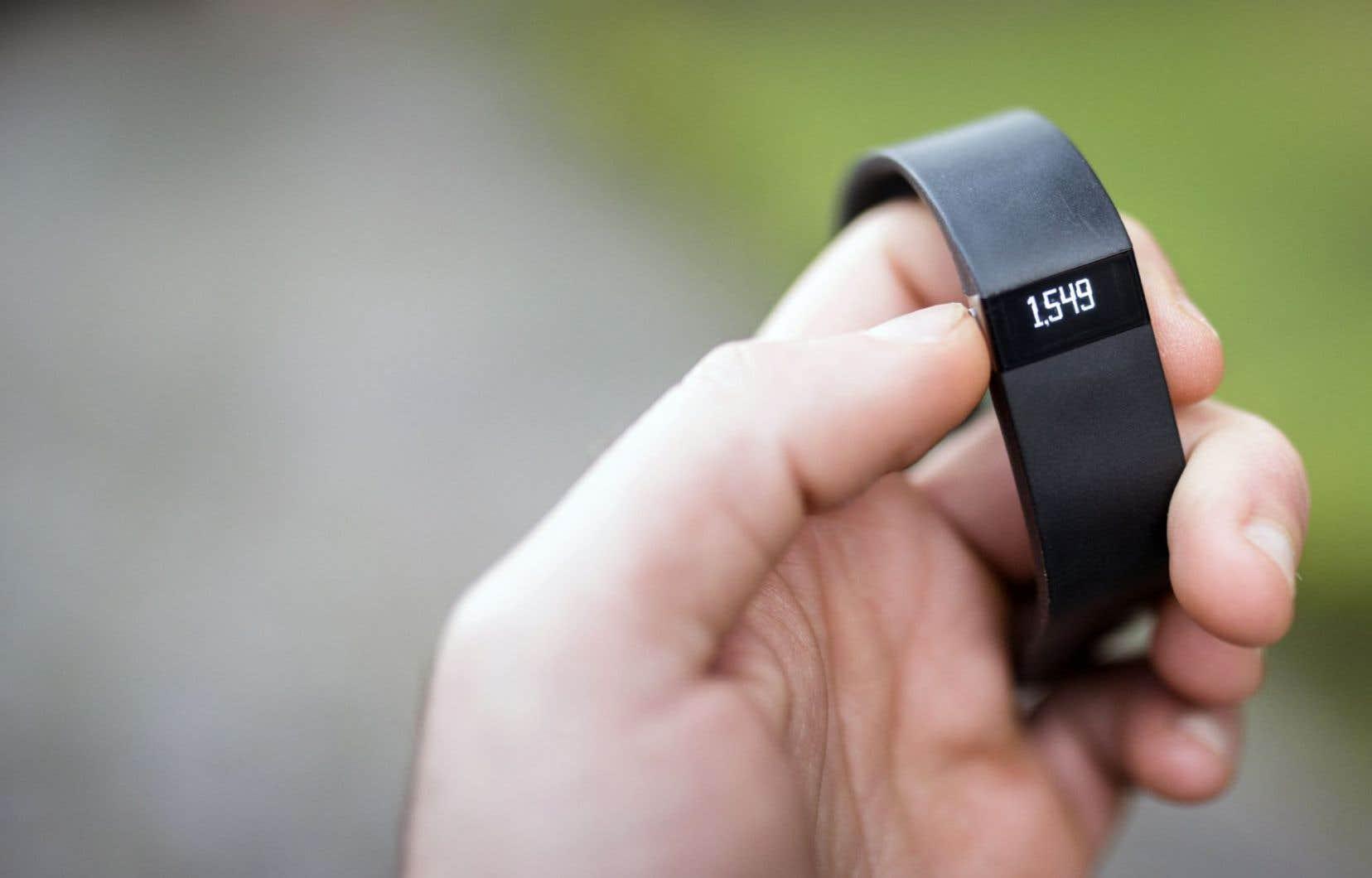 Le bracelet Fitbit, que l'assureur Manuvie songe à proposer à ses clients.