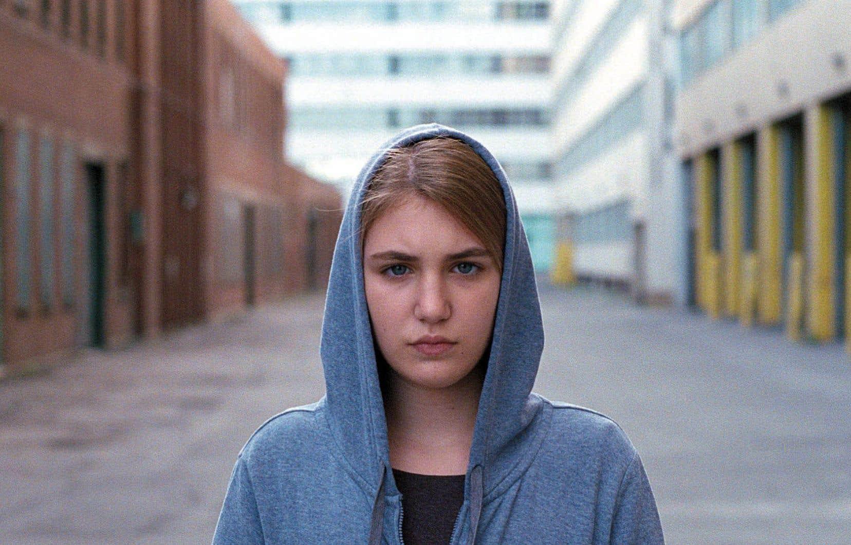 Sophie Nélisse est une des interprètes du rôle de Simone.
