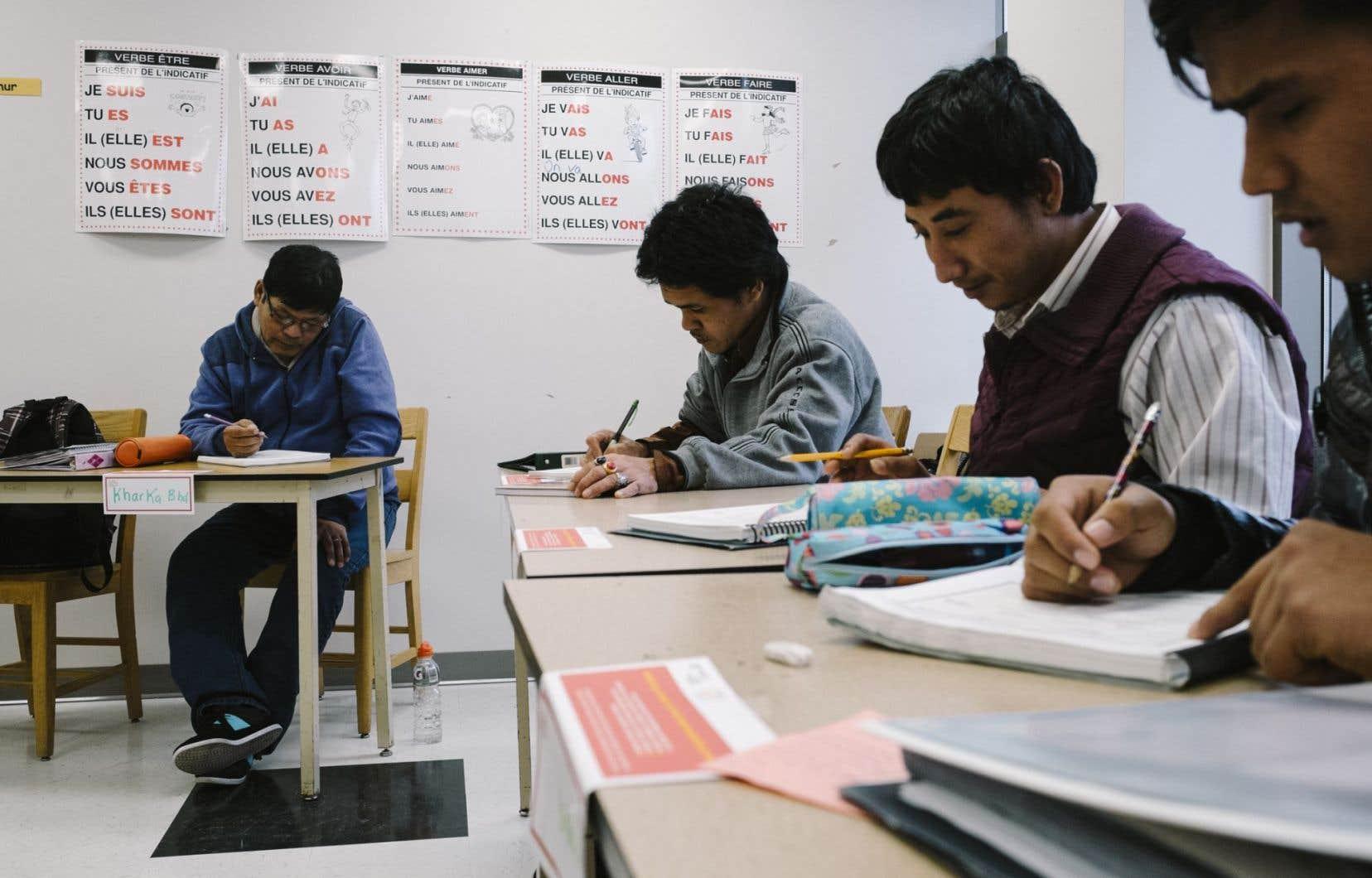 Une classe de francisation à Québec: 60 % des immigrants adultes refusent de suivre les cours de français qui leur sont offerts gratuitement.