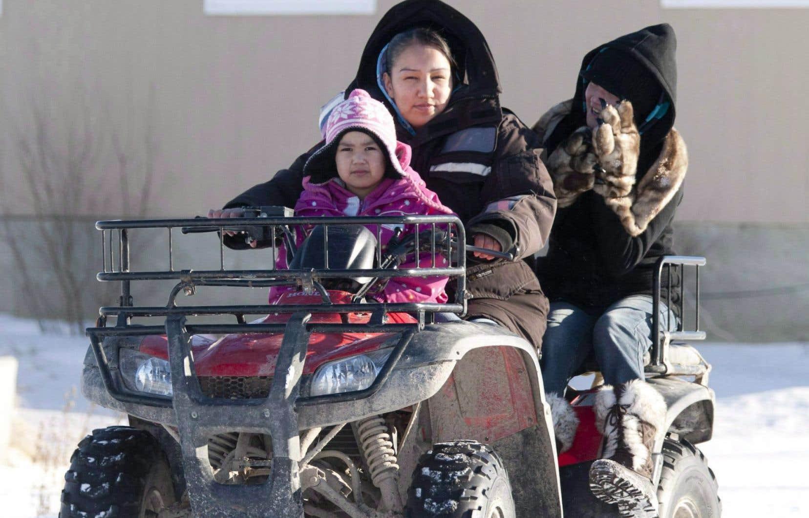 Le gouvernement fédéral a fait preuve de discrimination raciale envers les enfants des réserves autochtones dans son financement des services à l'enfance, a tranché le Tribunal canadien des droits de la personne.