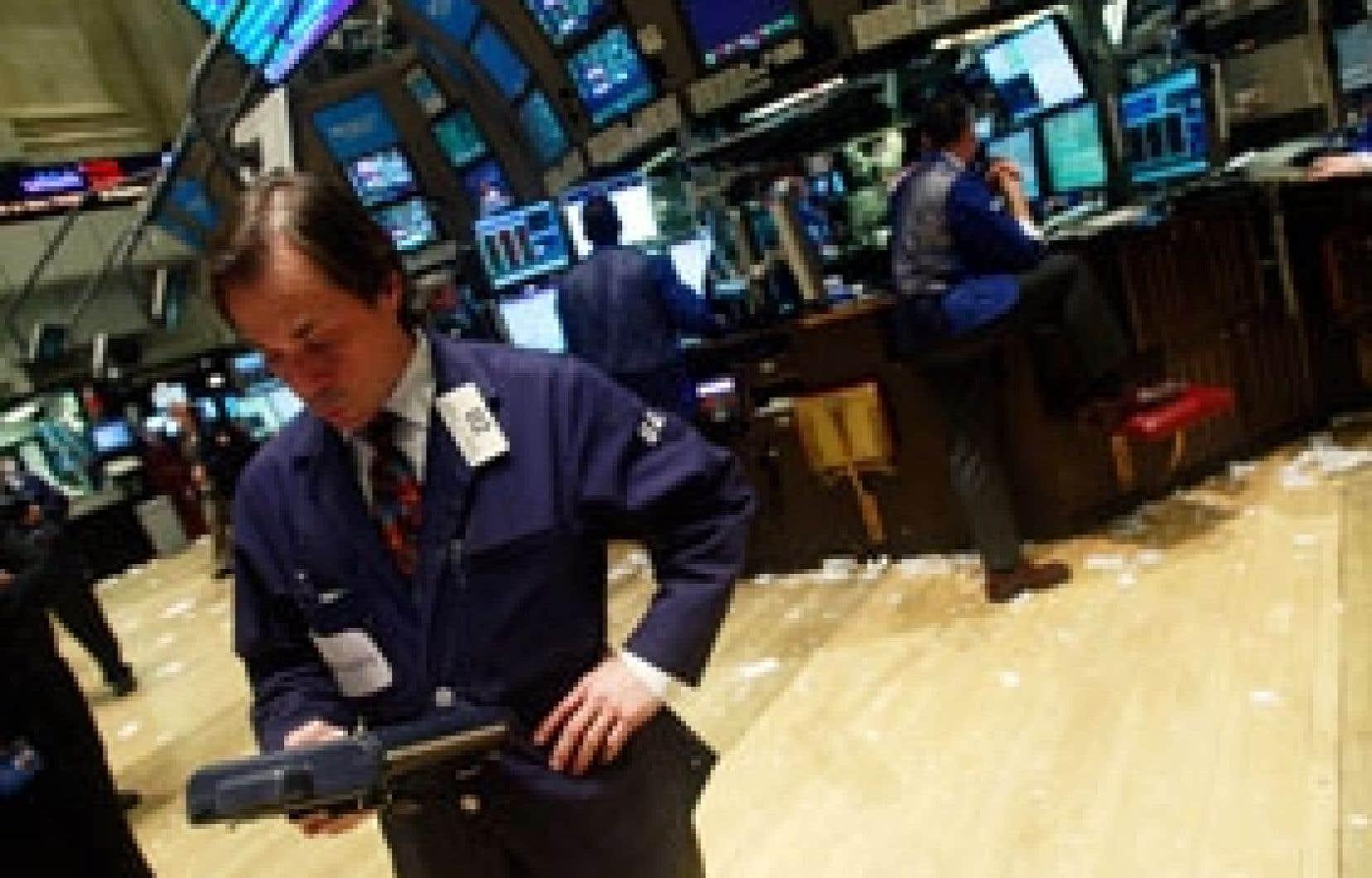 Le Dow Jones a lâché 250,89 points pour atteindre son plus bas niveau de clôture depuis mai 1997, de quoi décourager ce courtier.