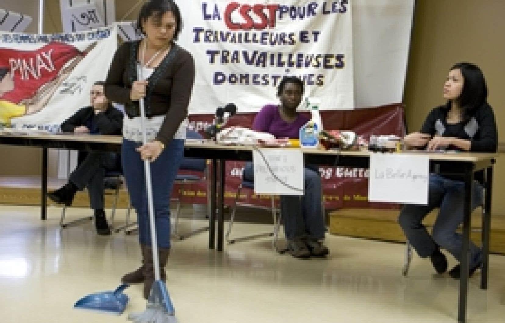 Au cours d'une conférence de presse donnée hier dans Côte-des-Neiges, en plein coeur d'un quartier d'immigrants, des représentantes des travailleuses domestiques ont demandé d'être enfin automatiquement couvertes par la CSST en cas de malad