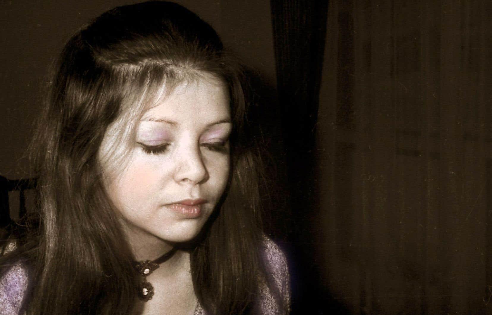 La poète Huguette Gaulin en 1970 à l'âge de 26 ans