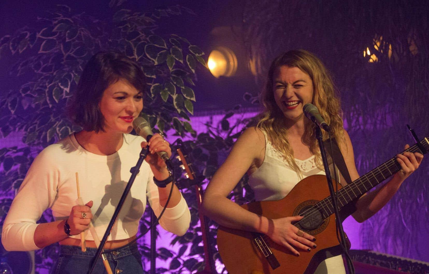 Mélanie et Stéphanie Boulay