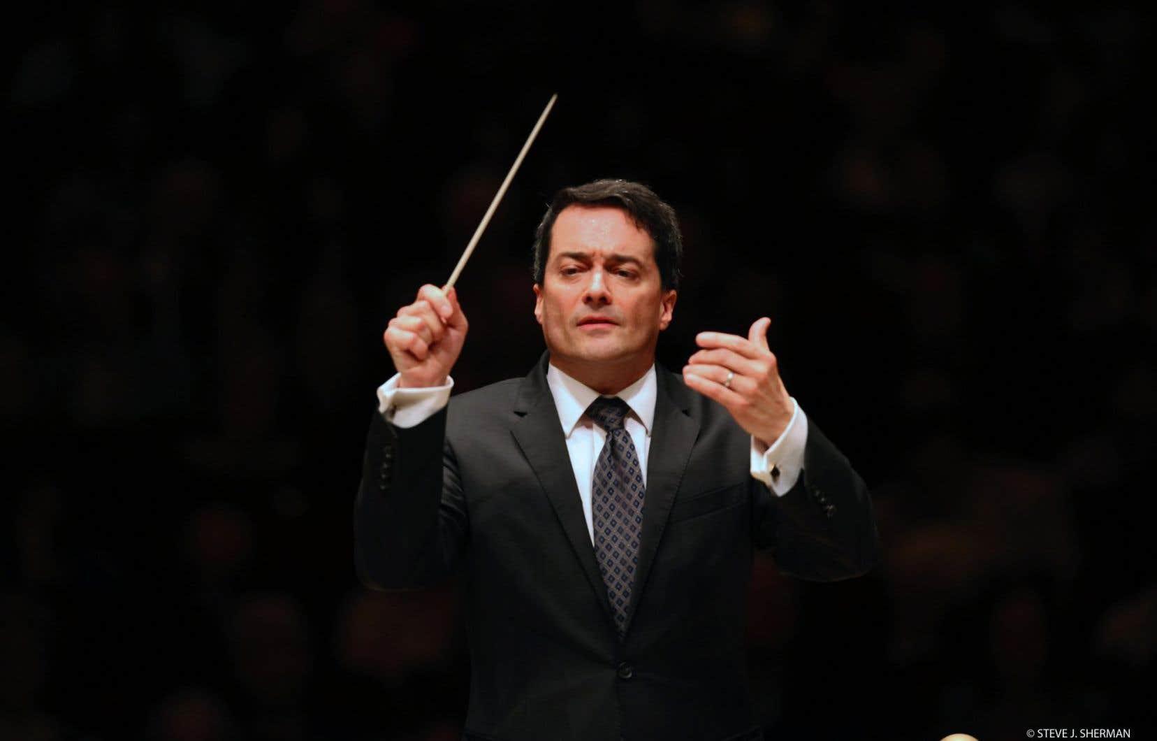 Le chef d'orchestre Jacques Lacombe