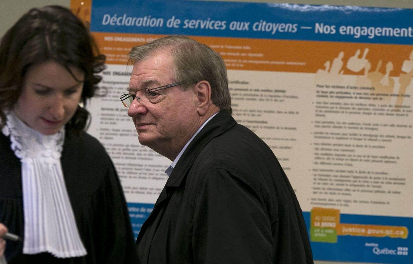 La Ville use de plusieurs moyens pour récupérer l'argent payé en trop. L'ex-maire Gilles Vaillancourt a notamment fait l'objet d'une poursuite.