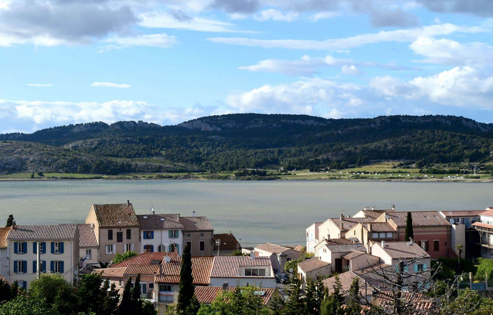 Gruissan (notre photo), juste à côté de Narbonne. C'est une partie du sud de la France moins achalandée que la Côte d'Azur.