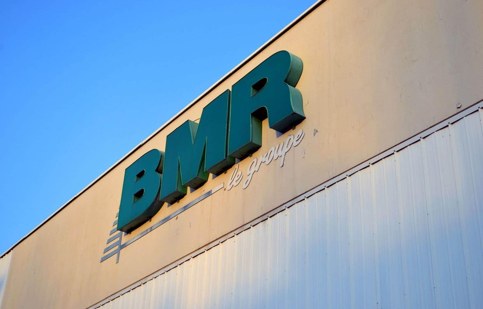 Depuis l'acquisition de la totalité du Groupe BMR, il y a un peu plus d'un an, la coopérative exploite quelque 350 centres de rénovation et quincailleries au Québec.