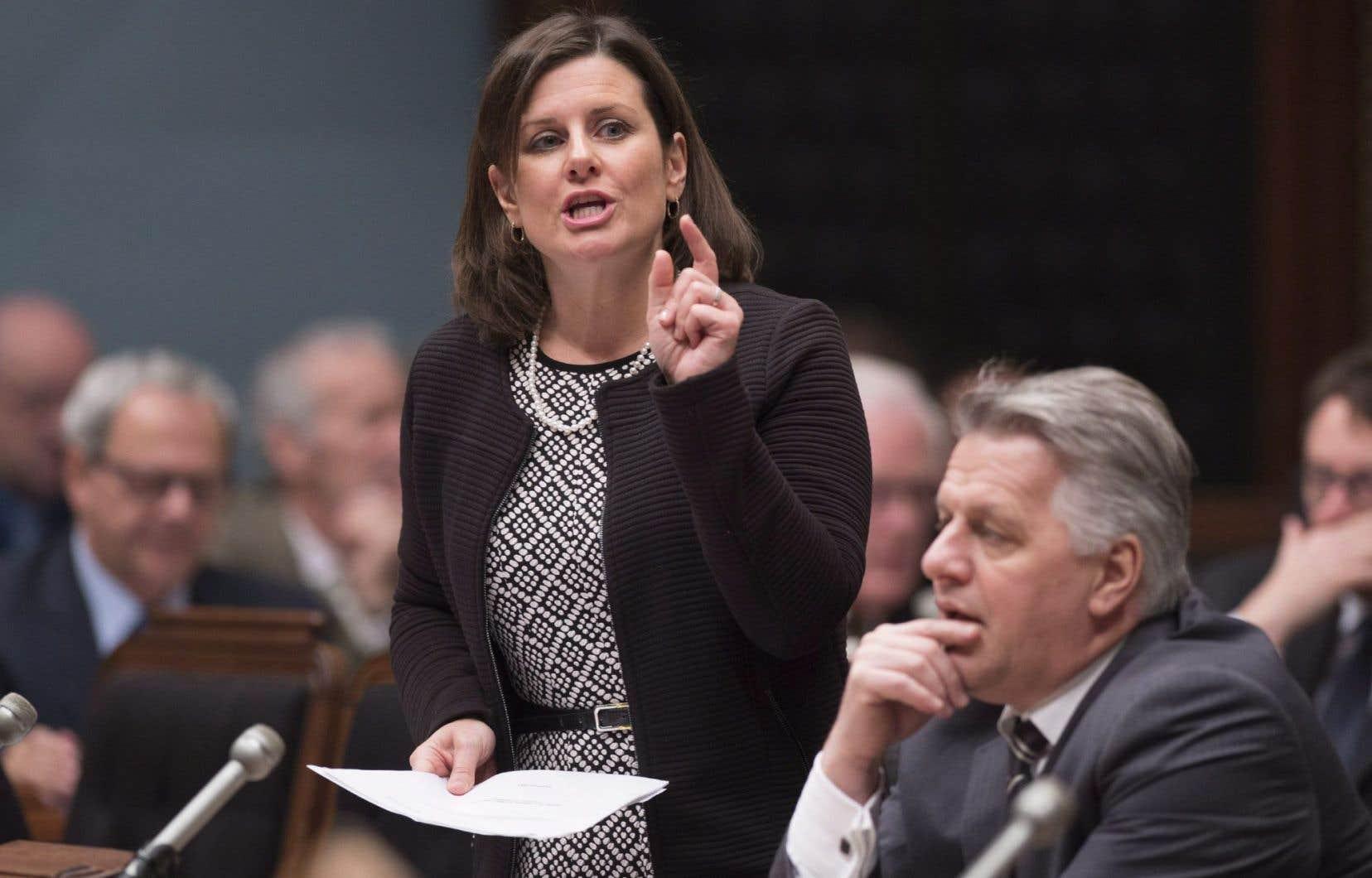 Stéphanie Vallée est l'actuelle ministre de la Justice, détentrice du portefeuille de la Condition féminine d'avril 2014 à janvier 2016.