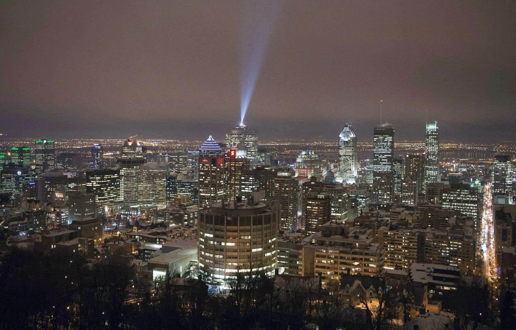 « De façon générale, la croissance économique est un peu plus robuste que ce que prévoyait la Banque du Canada », selon l'économiste principal au Mouvement Desjardins, Benoît P. Durocher.
