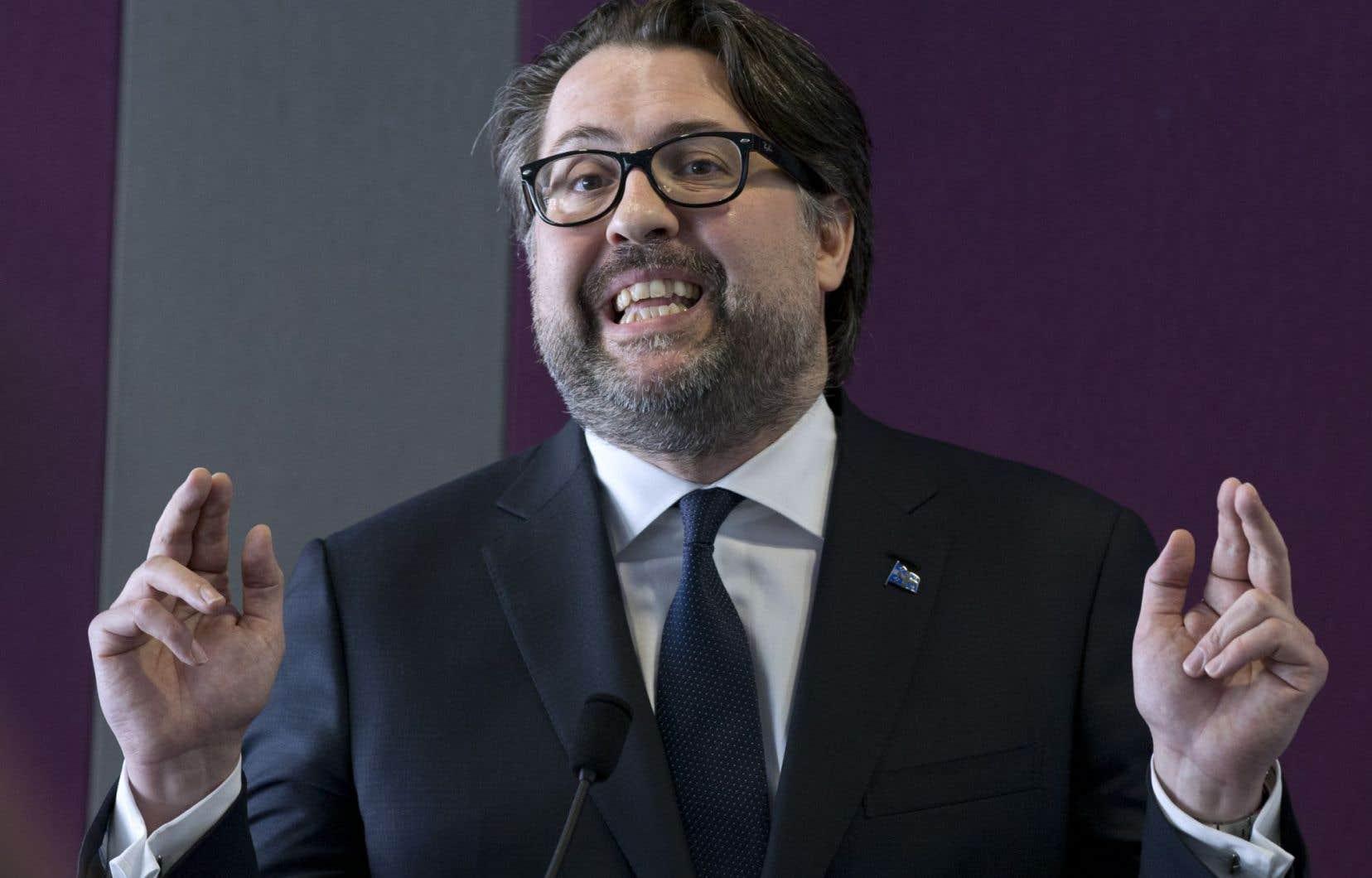 TransCanada a refusé de déposer les documents réclamés par Québec dès 2014, ce qui a forcé le ministre Heurtel à déclencher un BAPE en faisant fi de l'application de la législation en vigueur.