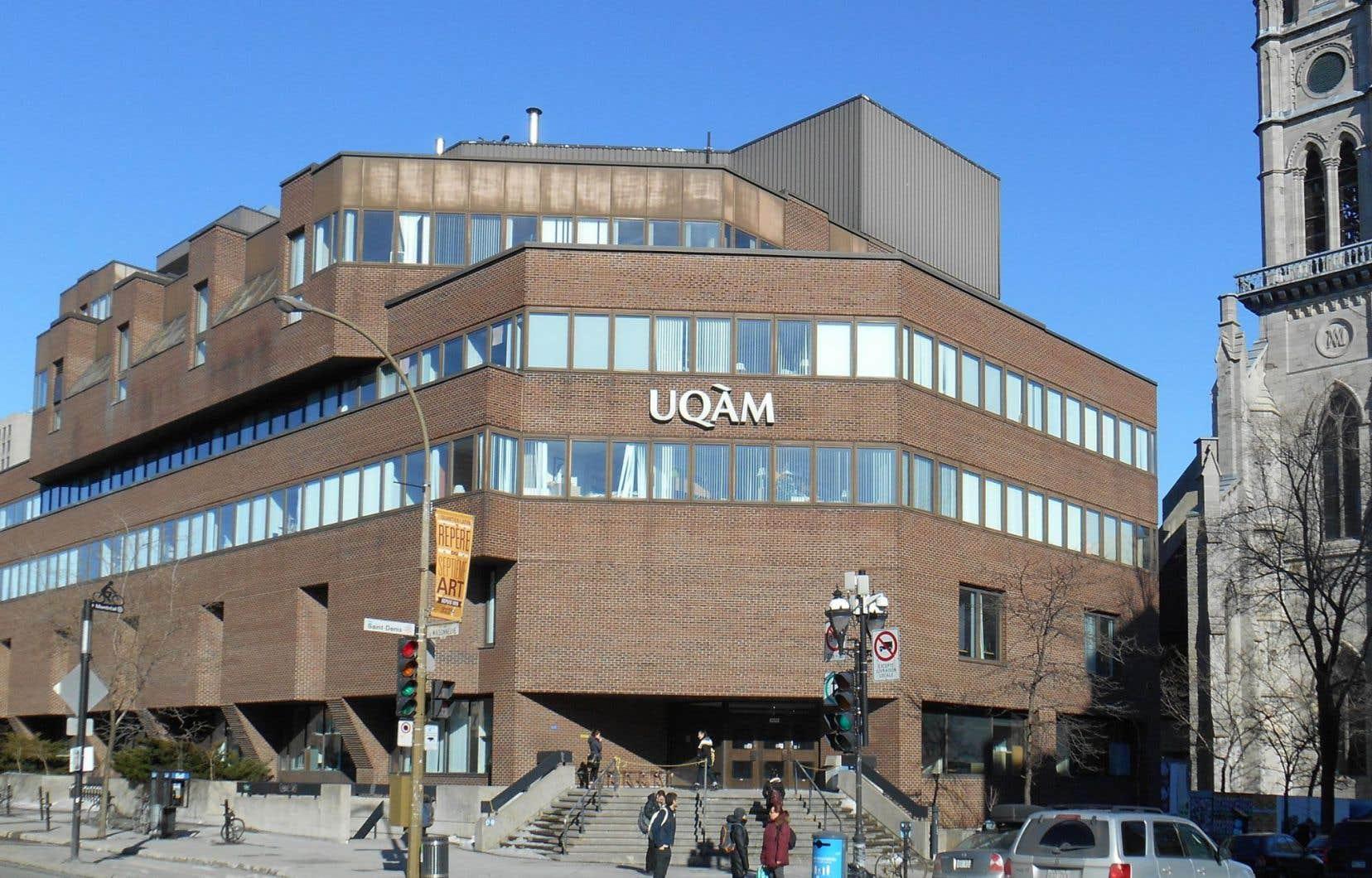 Les professeurs de l'UQAM sont sans convention collective depuis le 31 mai 2013.