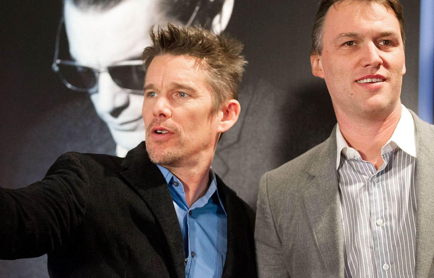 Le réalisateur Robert Budreau, à droite, en compagnie de l'acteur Ethan Hawke