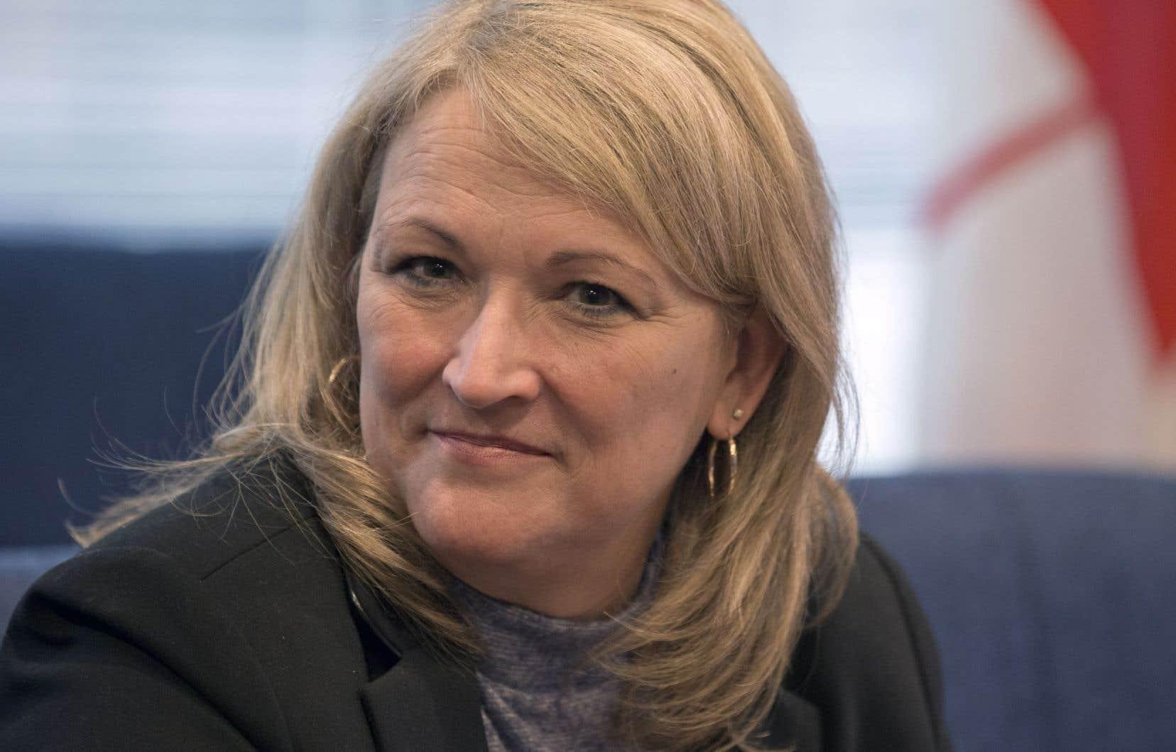 La ministre responsable de la Condition féminine, Lise Thériault