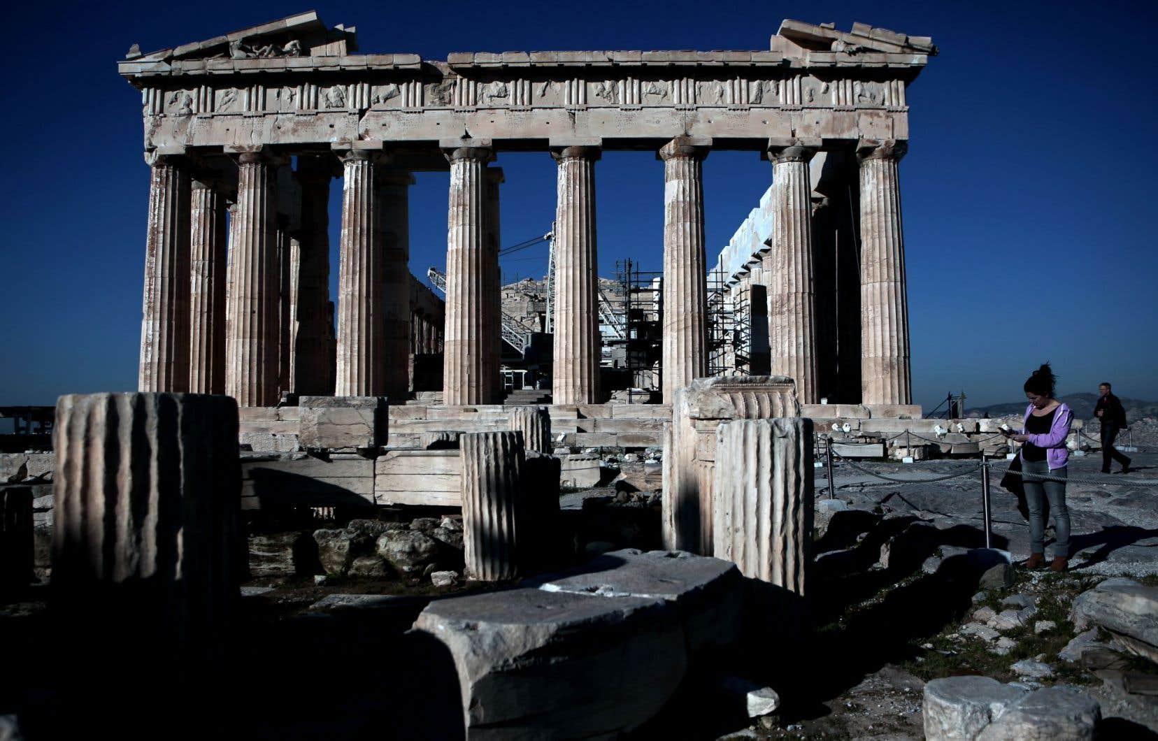 Athènes est un incontournable pour ses trésors antiques, comme le Parthénon, l'un des symboles archéologiques les plus connus de toutes les civilisations.