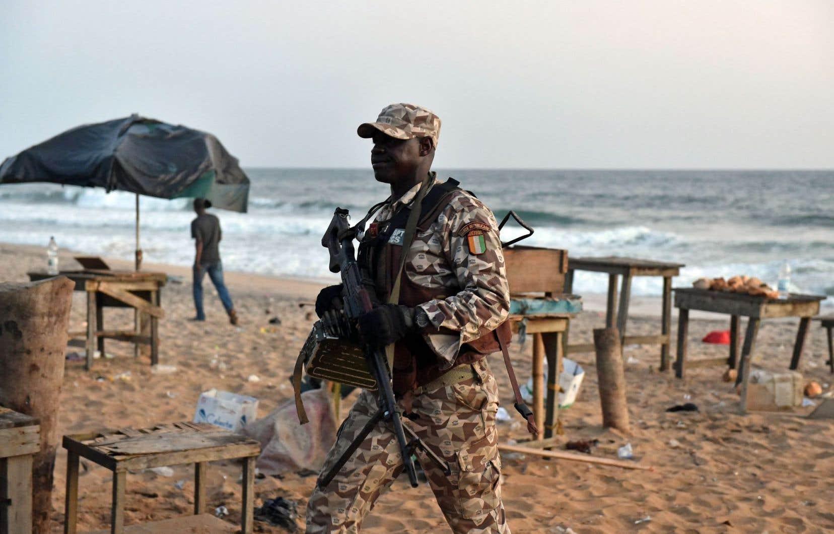 L'attentat à Grand-Bassam, aux portes d'Abidjan, a fait 21 morts dimanche.