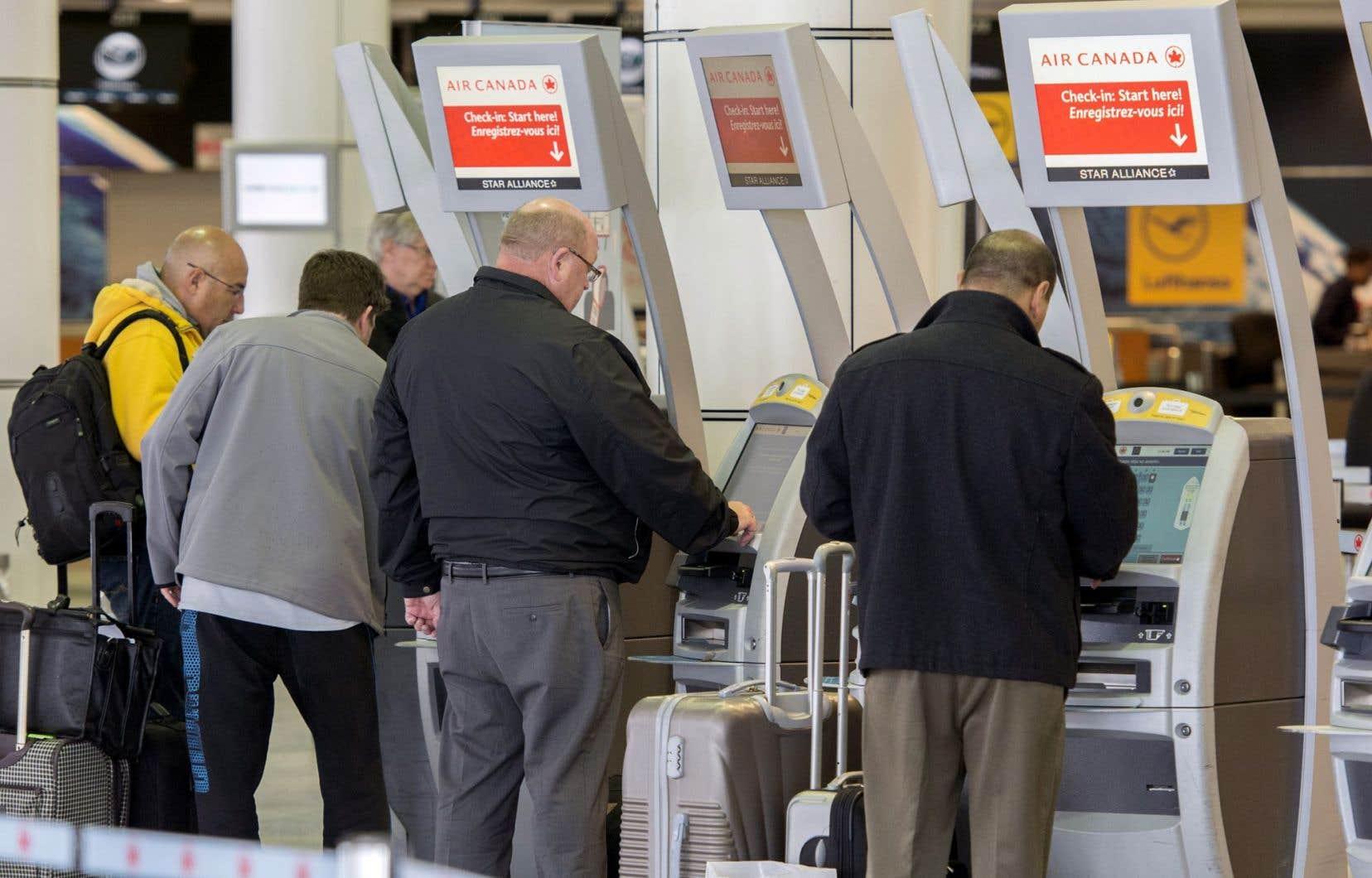 Malgré la diminution des tarifs, l'AITA a indiqué que les bénéfices des lignes aériennes avaient progressé de près de 60 % au quatrième trimestre, ce qui devrait leur permettre d'afficher de solides résultats pour l'ensemble de l'année 2015.
