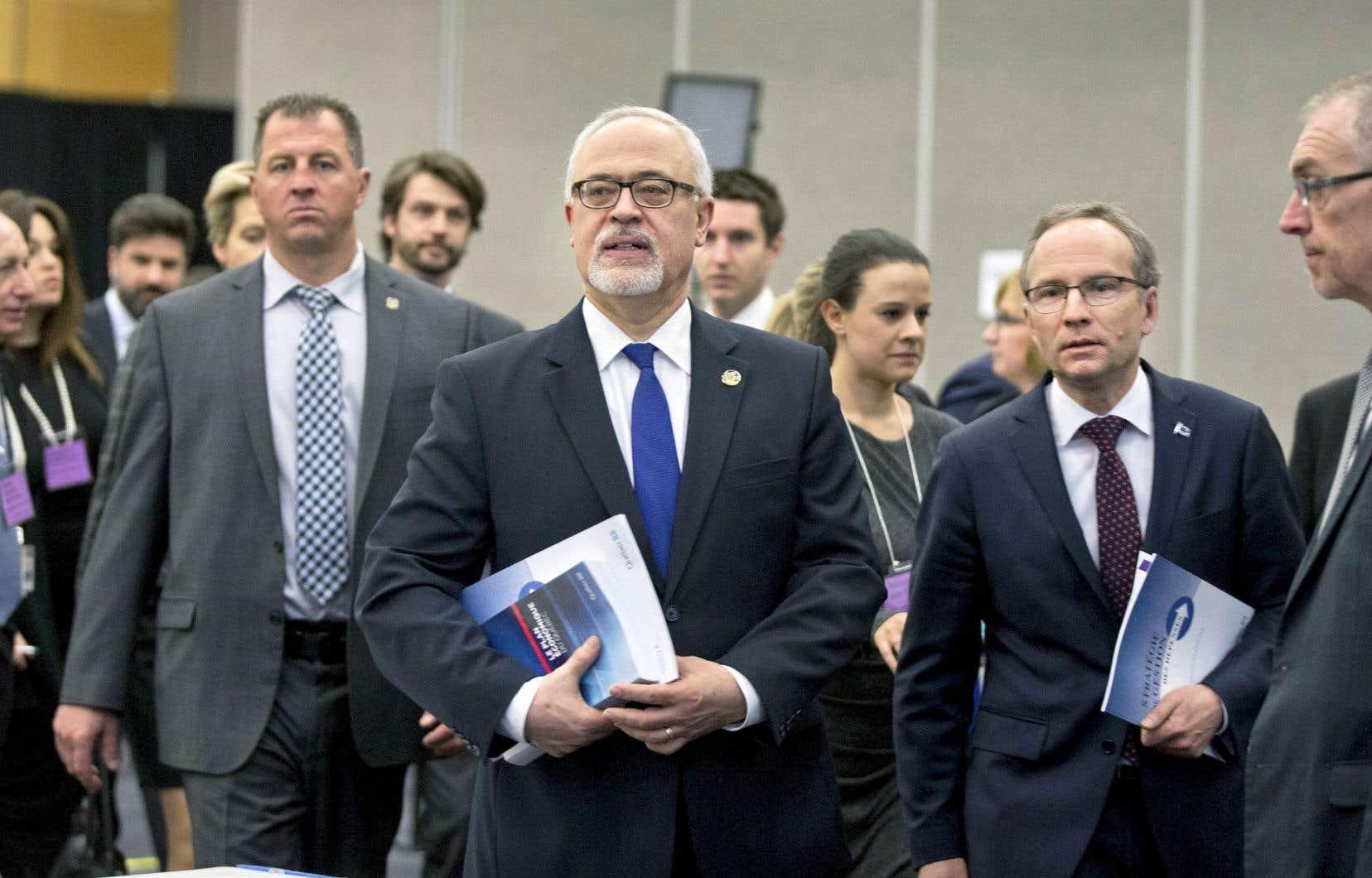 Carlos Leitão lors du dépôt du budget de 2015