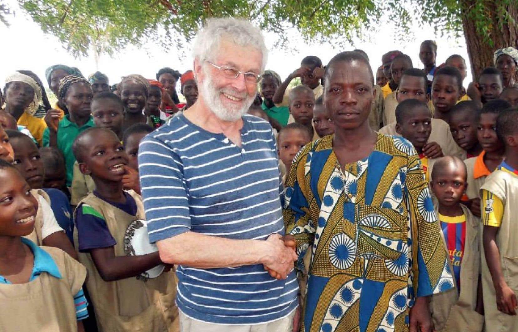 Francis Corpataux au Bénin, pays qui sera l'objet de son prochain disque.