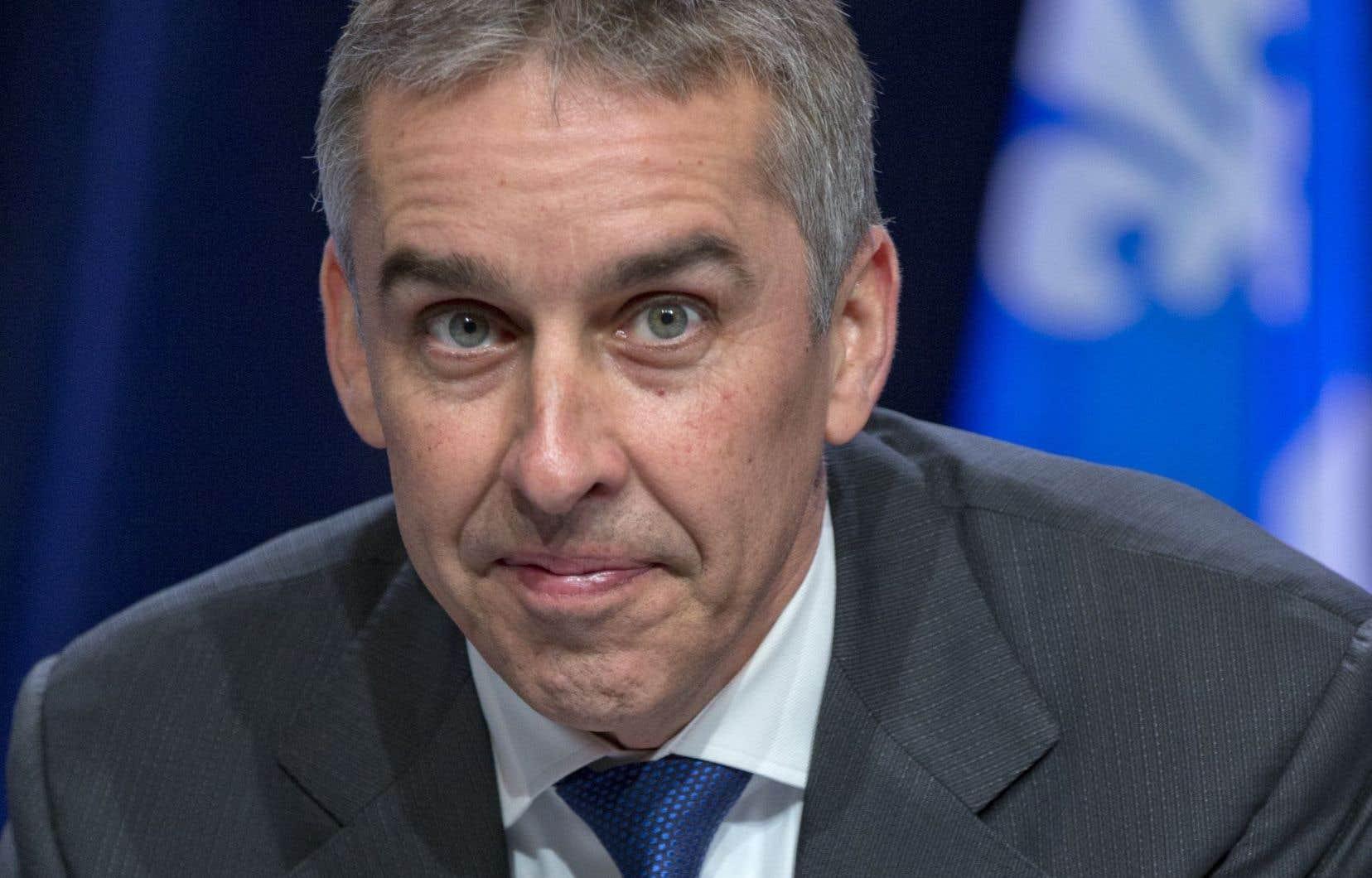 Le porte-parole péquiste en matière de finances publiques, Nicolas Marceau, a rappelé que le budget ne fait aucunement mention de la promesse électorale de 250000 emplois supplémentaires.