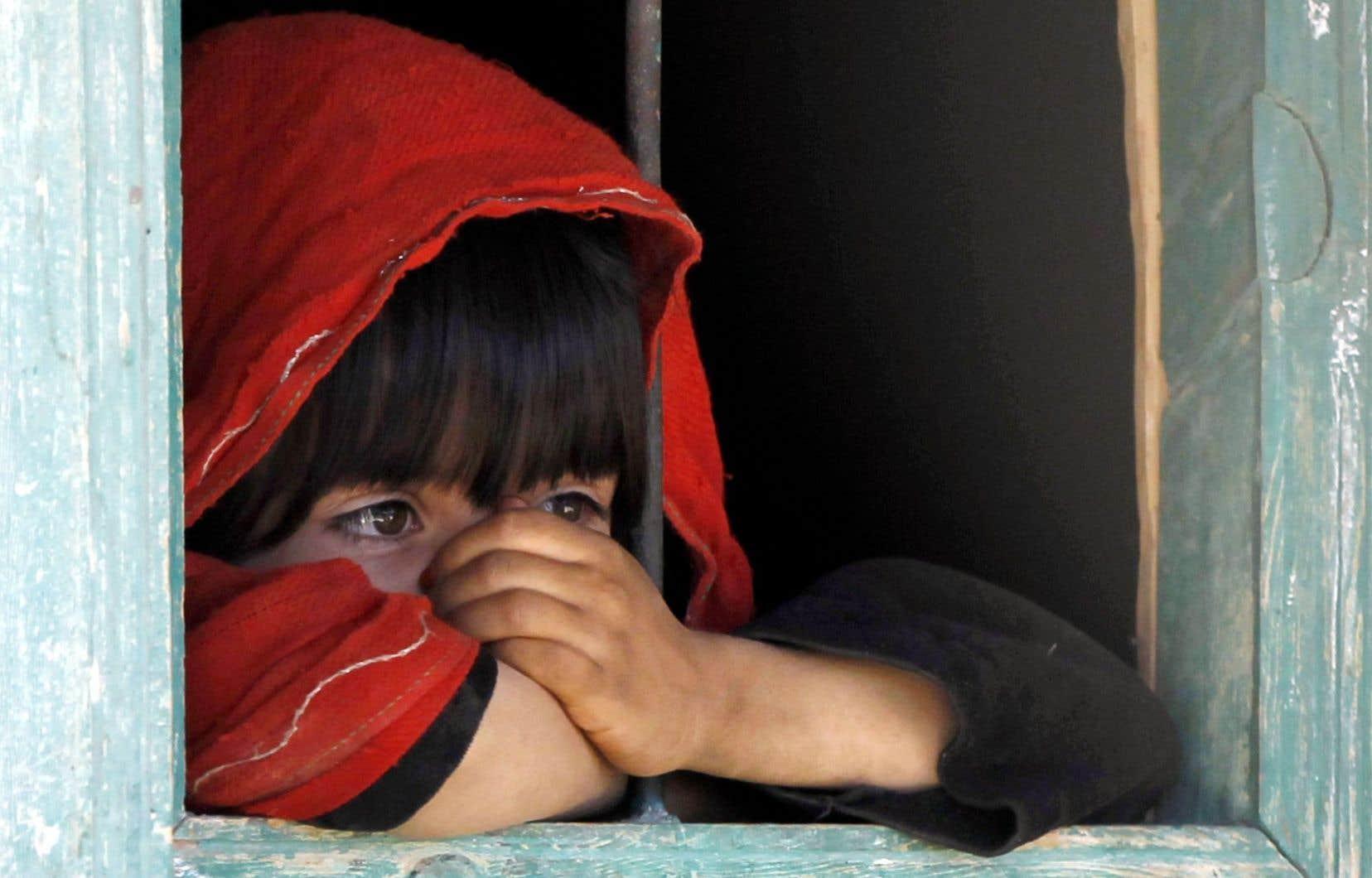 Le roman de Sylvie Germain s'ouvre sur un tout petit enfant perdu, singulier, que l'on verra grandir.