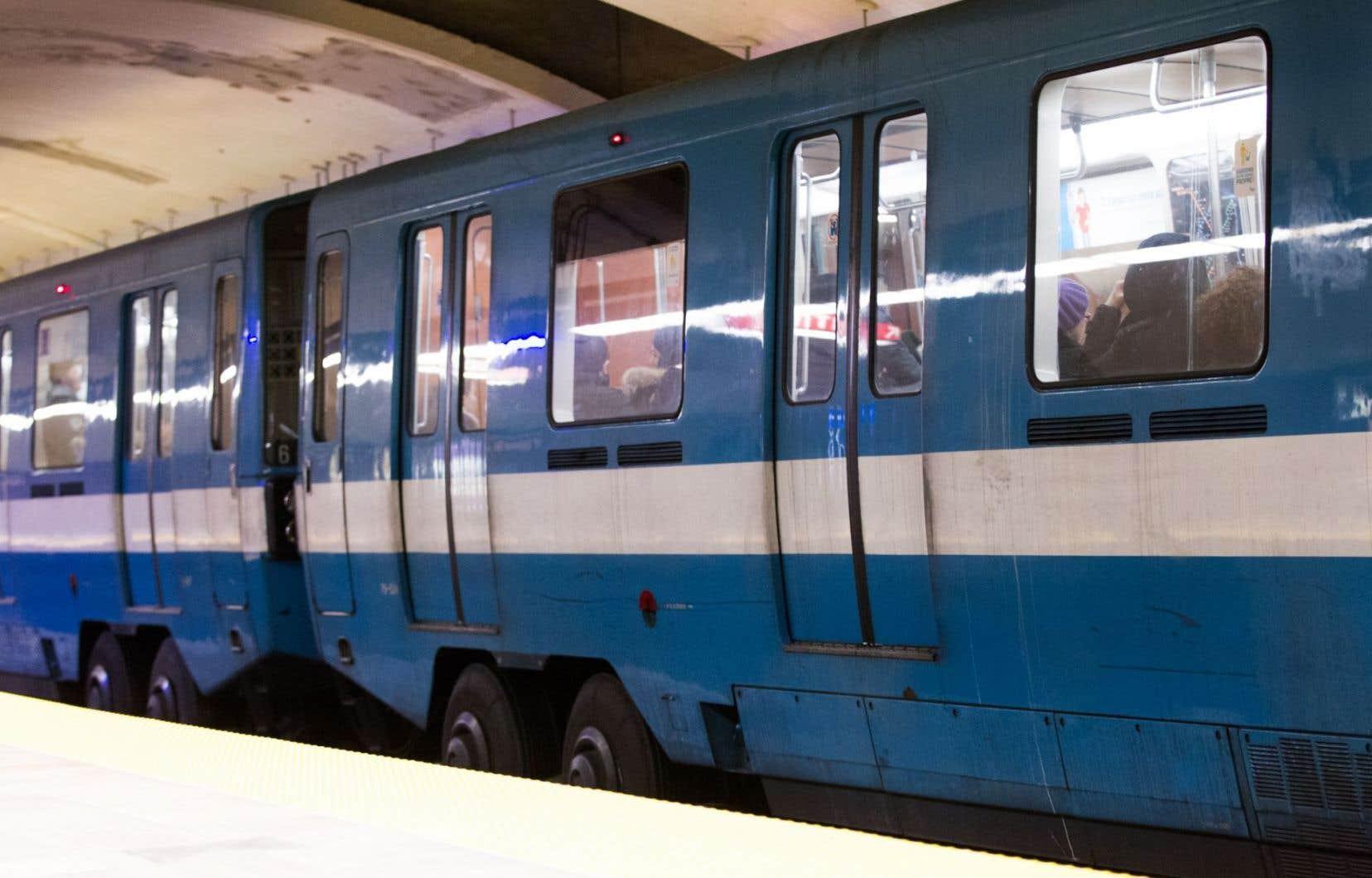 Le gouvernement du Québec souhaite notamment avoir suffisamment d'argent pour prolonger la ligne bleue du métro de Montréal.
