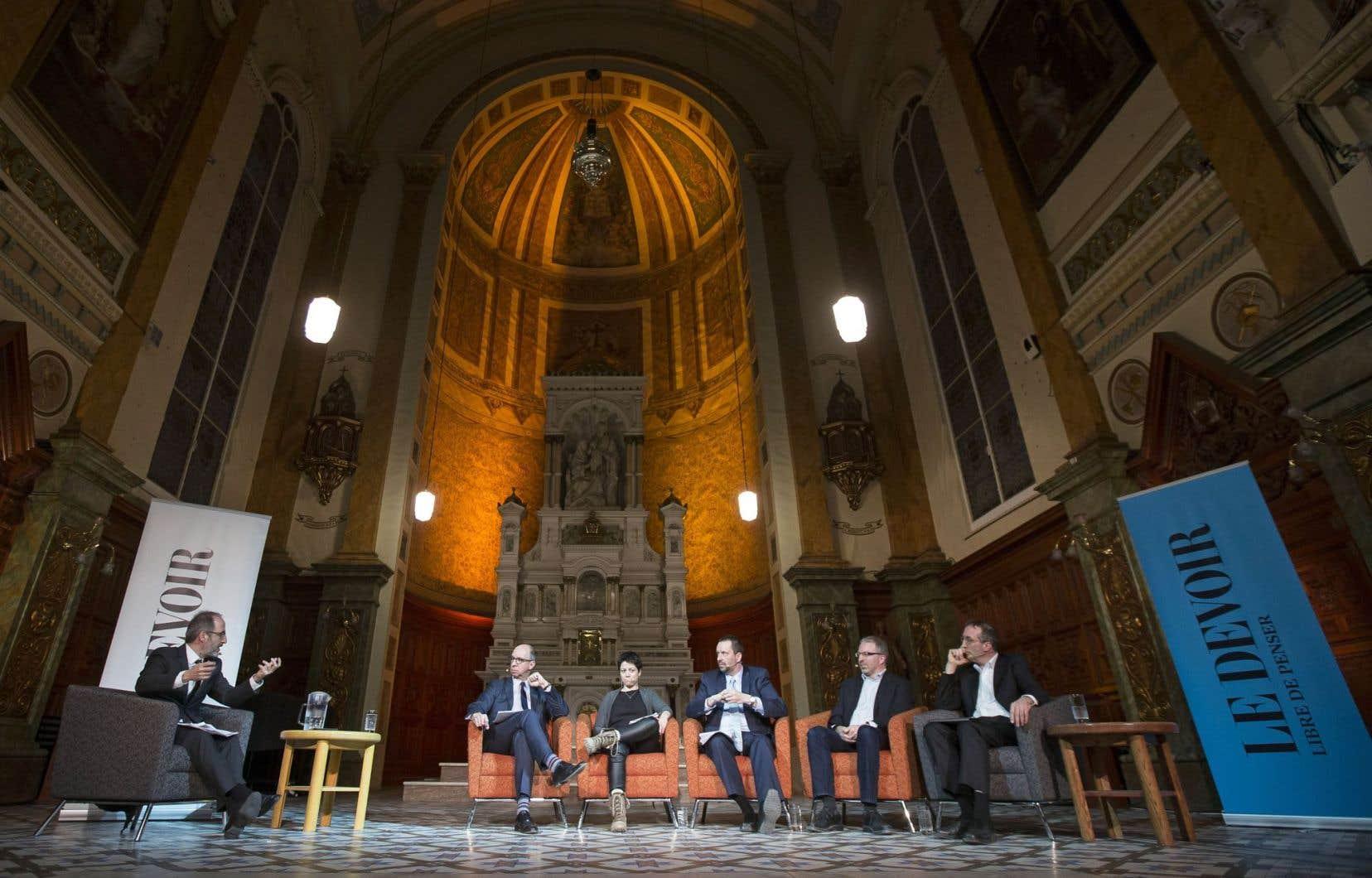 Le débat sur le pétrole était organisé au Musée de l'Amérique francophone de Québec.