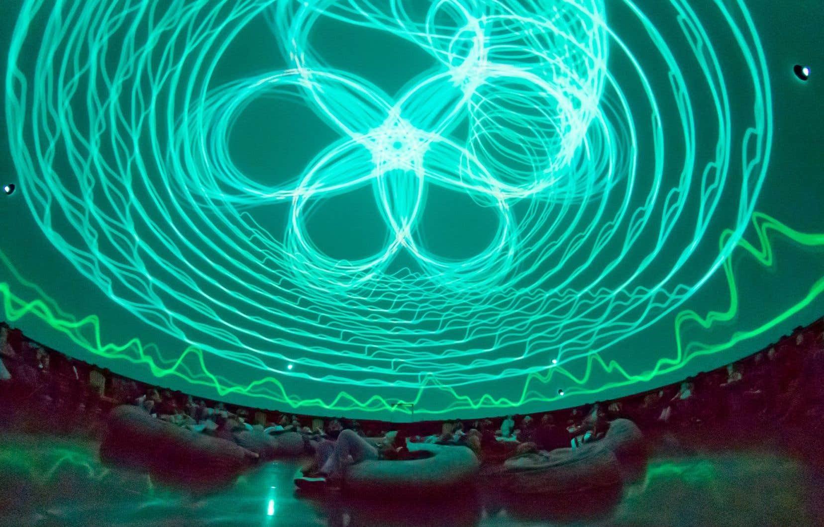 «Vertiges», un spectacle immersif qui explore le temps qu'on cherche à saisir, à accélérer, voire arrêter, présenté à Espace pour la vie.
