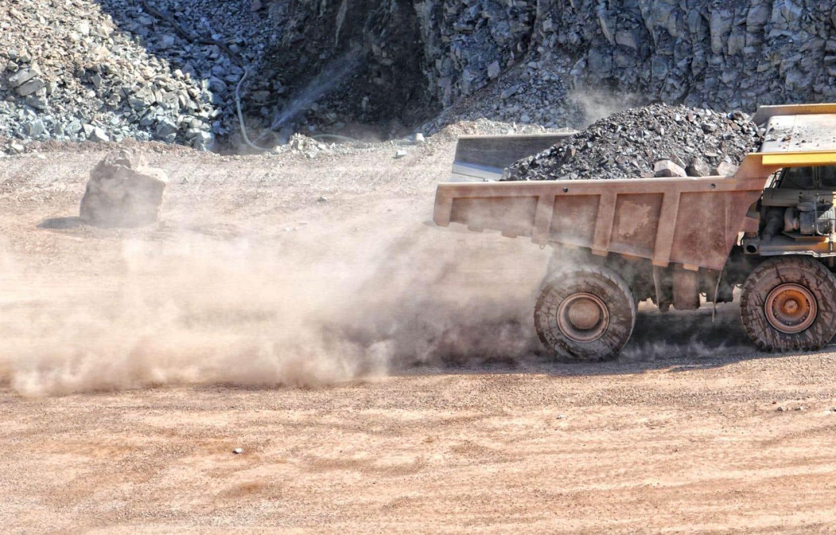 «Avons-nous besoin de toute la pollution que nous offre une mine?» demande Francine Allard.