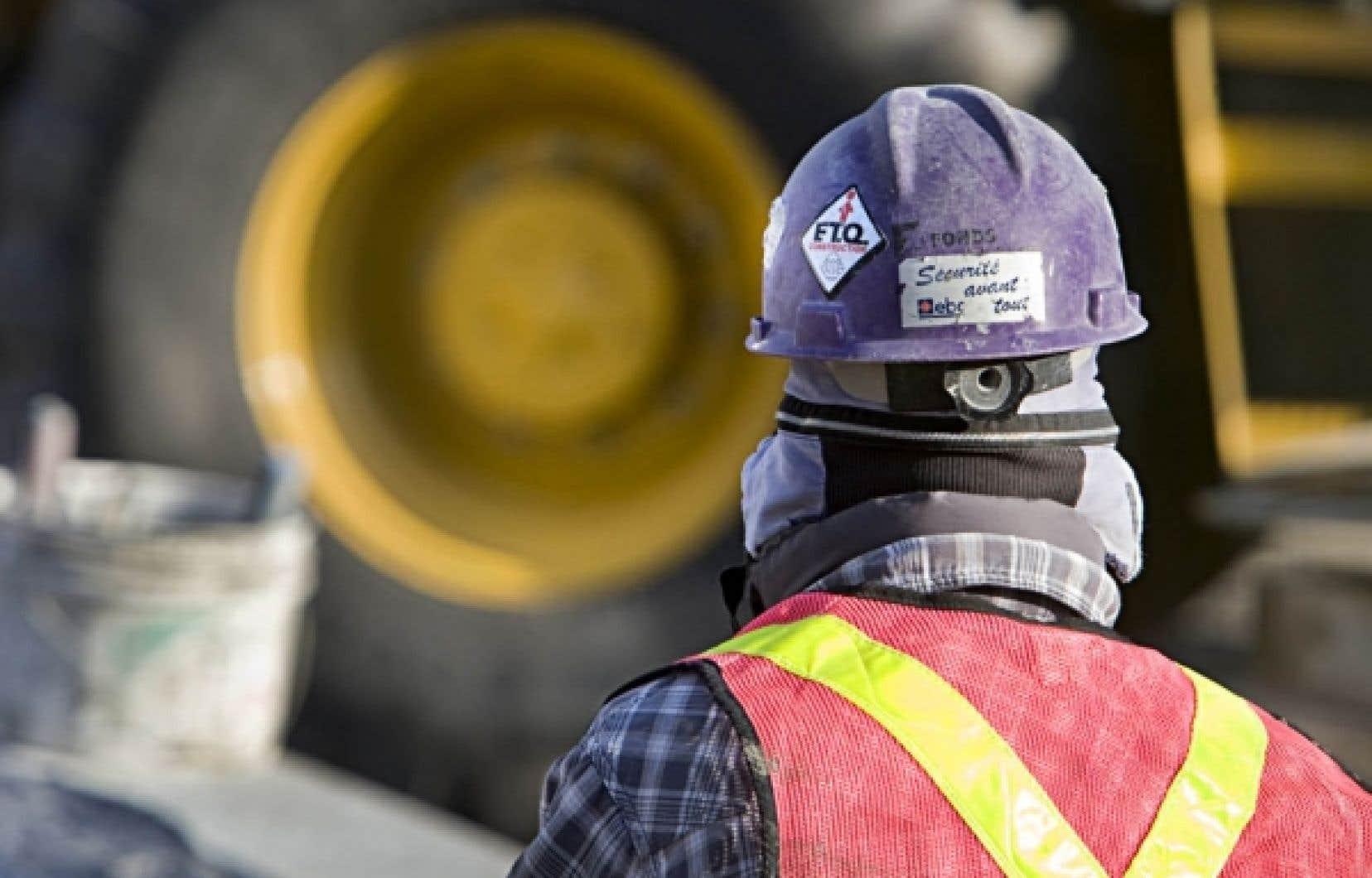 Un employé sur un chantier montréalais, hier. La FTQ-Construction ne veut toujours pas d'enquête publique sur les pratiques douteuses dans la construction.
