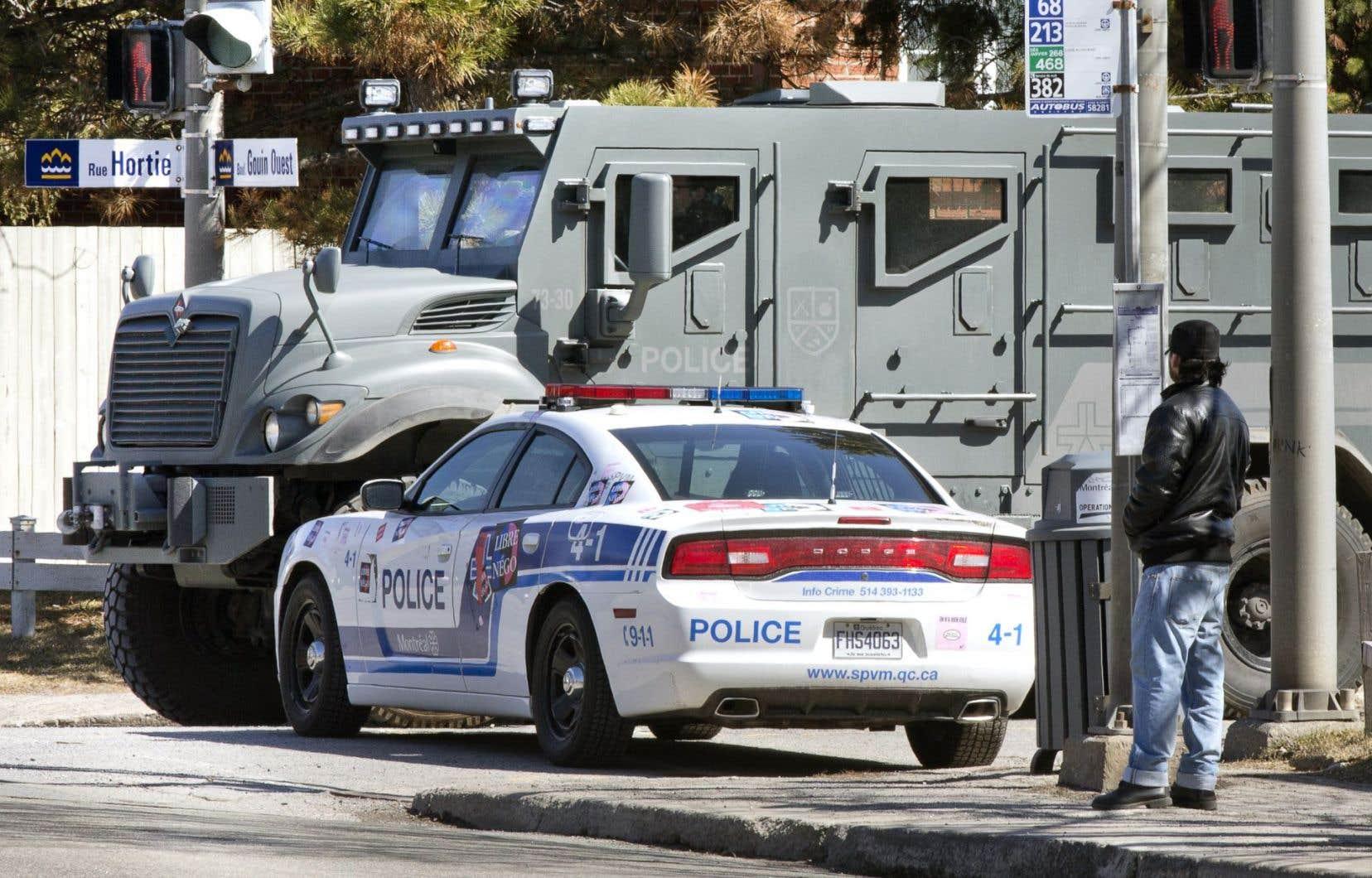 L'opération policière menée mardi dans l'arrondissement Pierrefonds-Roxboro a entraîné l'évacuation de quelque 200 résidants à proximité de la demeure de la famille Elabi.