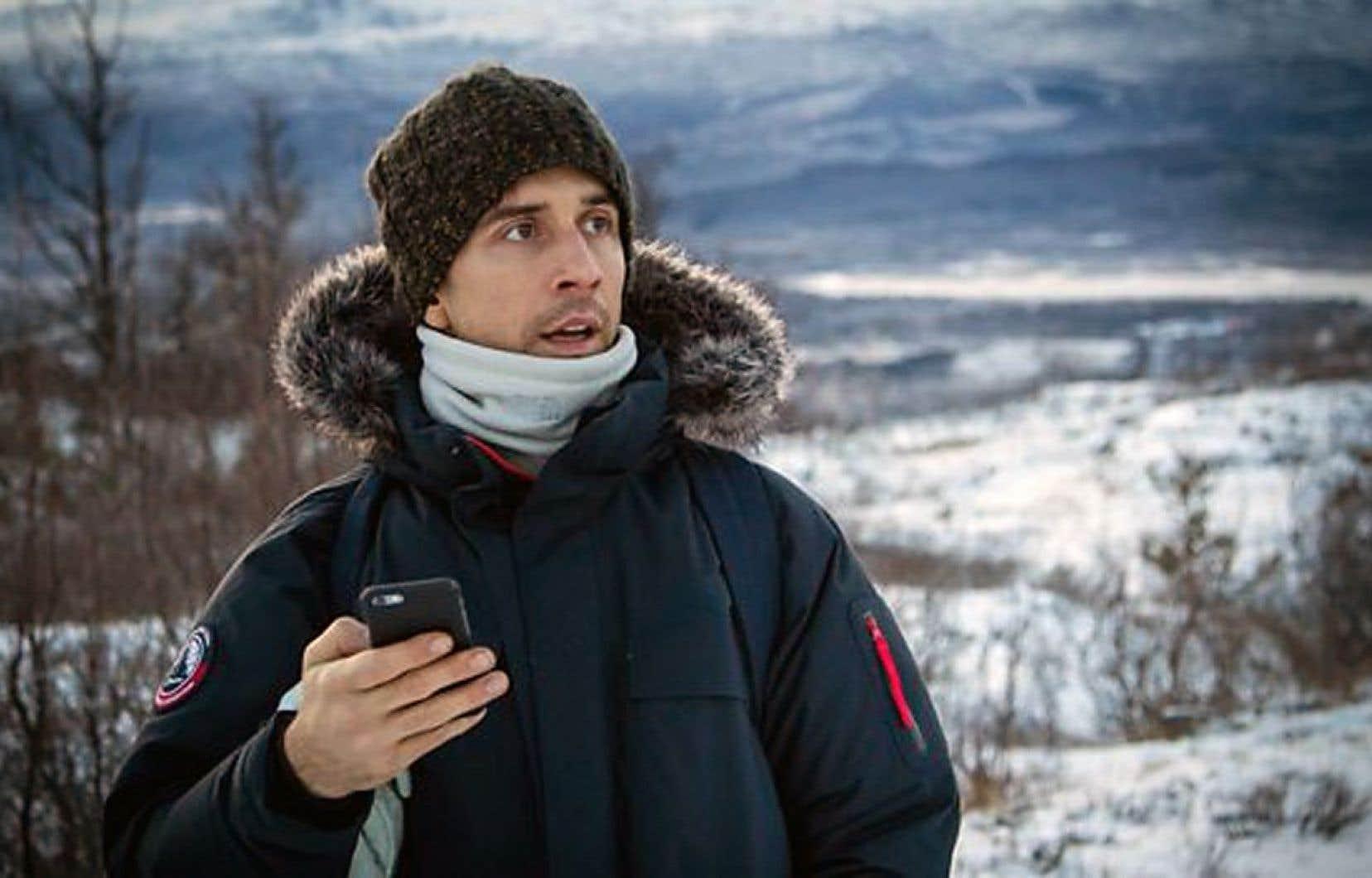 «Stupid Man, Smartphone», émission d'aventure de la BBC, suit le comédien Russell Kane au bout du monde, du cercle arctique jusqu'au Sahara