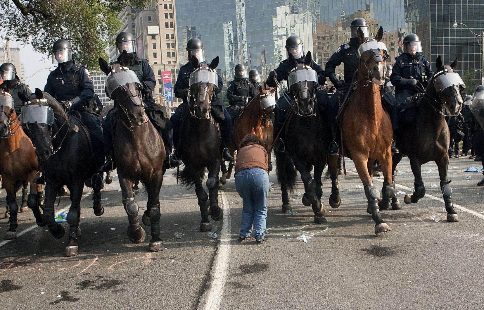 En juin 2010, lors du sommet du G20, plus de 1000 personnes avaient été interpellés ou détenues.