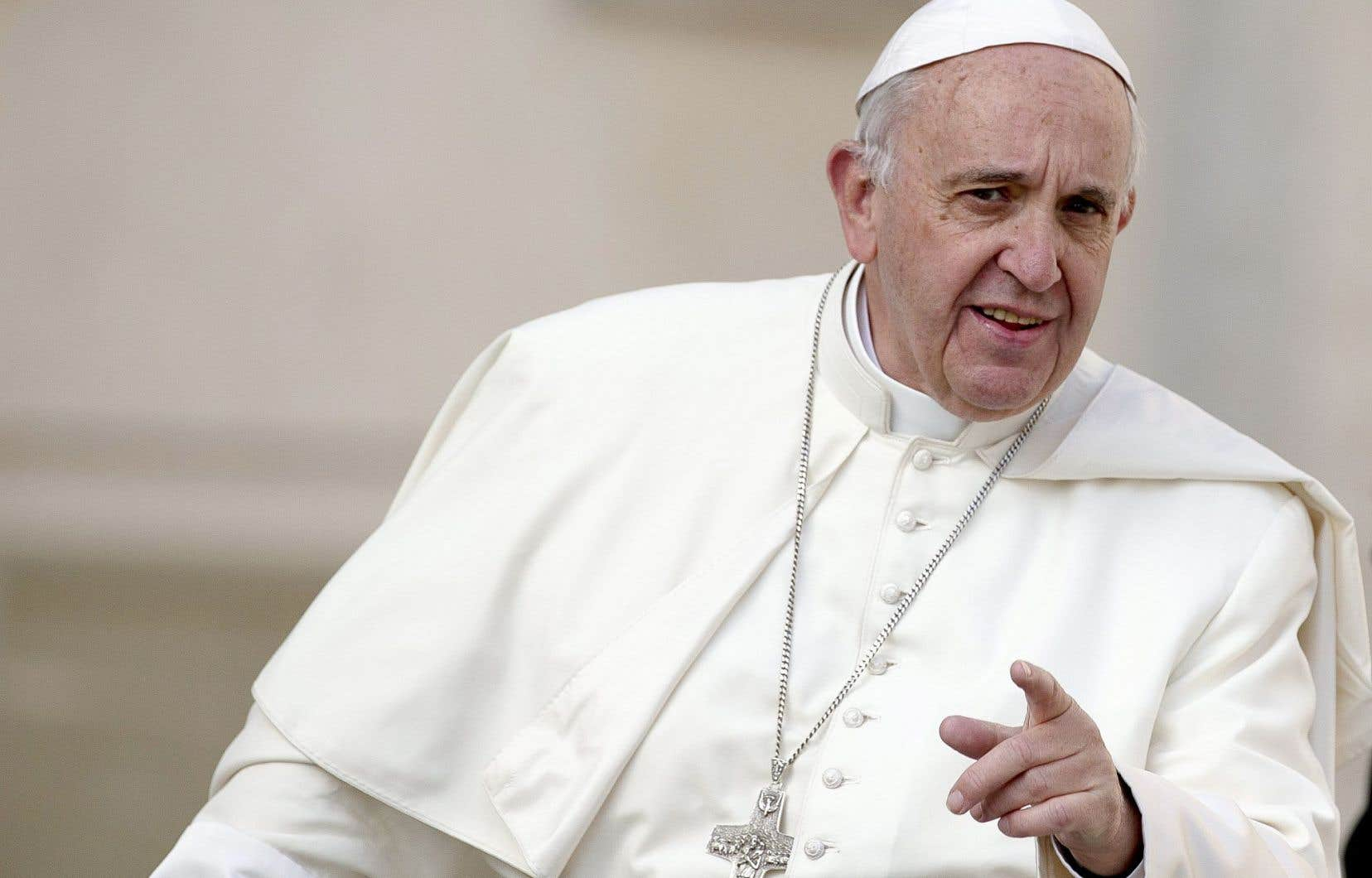 Le pape François tend la main aux divorcés remariés, et à tous ceux vivant «en situation irrégulière» dans l'Église catholique, mais sans bouger sur les homosexuels, dans ses conclusions publiées vendredi après deux synodes houleux.