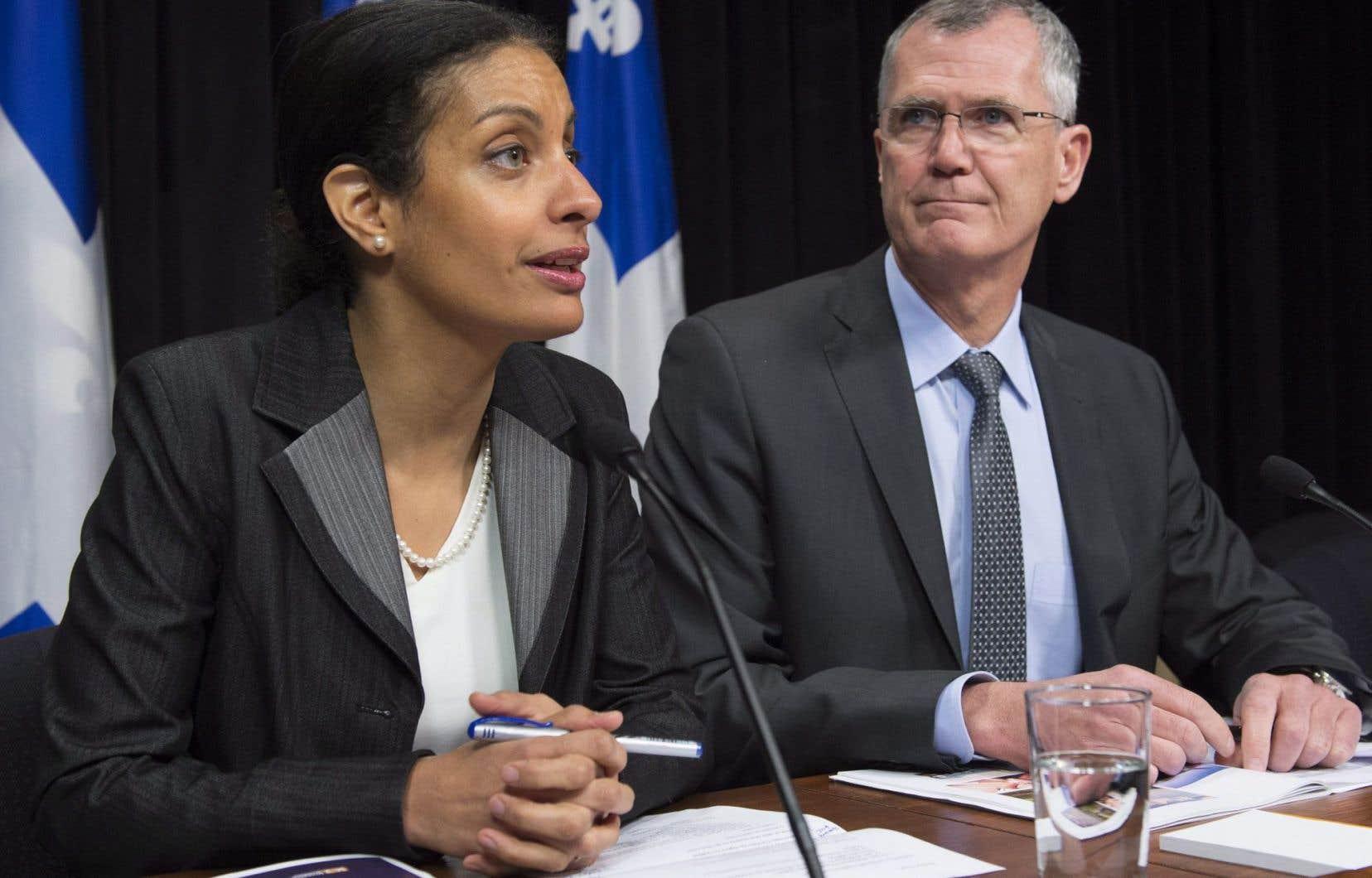 La ministre de l'Économie, Dominique Anglade, accompagnée du président d'Investissement Québec, Pierre Gabriel Côté, a énoncé jeudi les priorités du Québec en matière de développement économique.