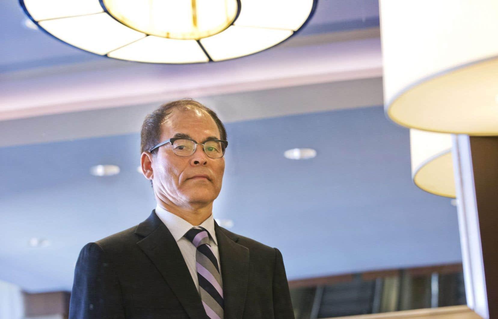 Shuji Nakamura a avoué que les DEL ont parfois mauvaise presse en raison de leur forte concentration en lumière bleue, qui a des effets néfastes sur le corps humain.