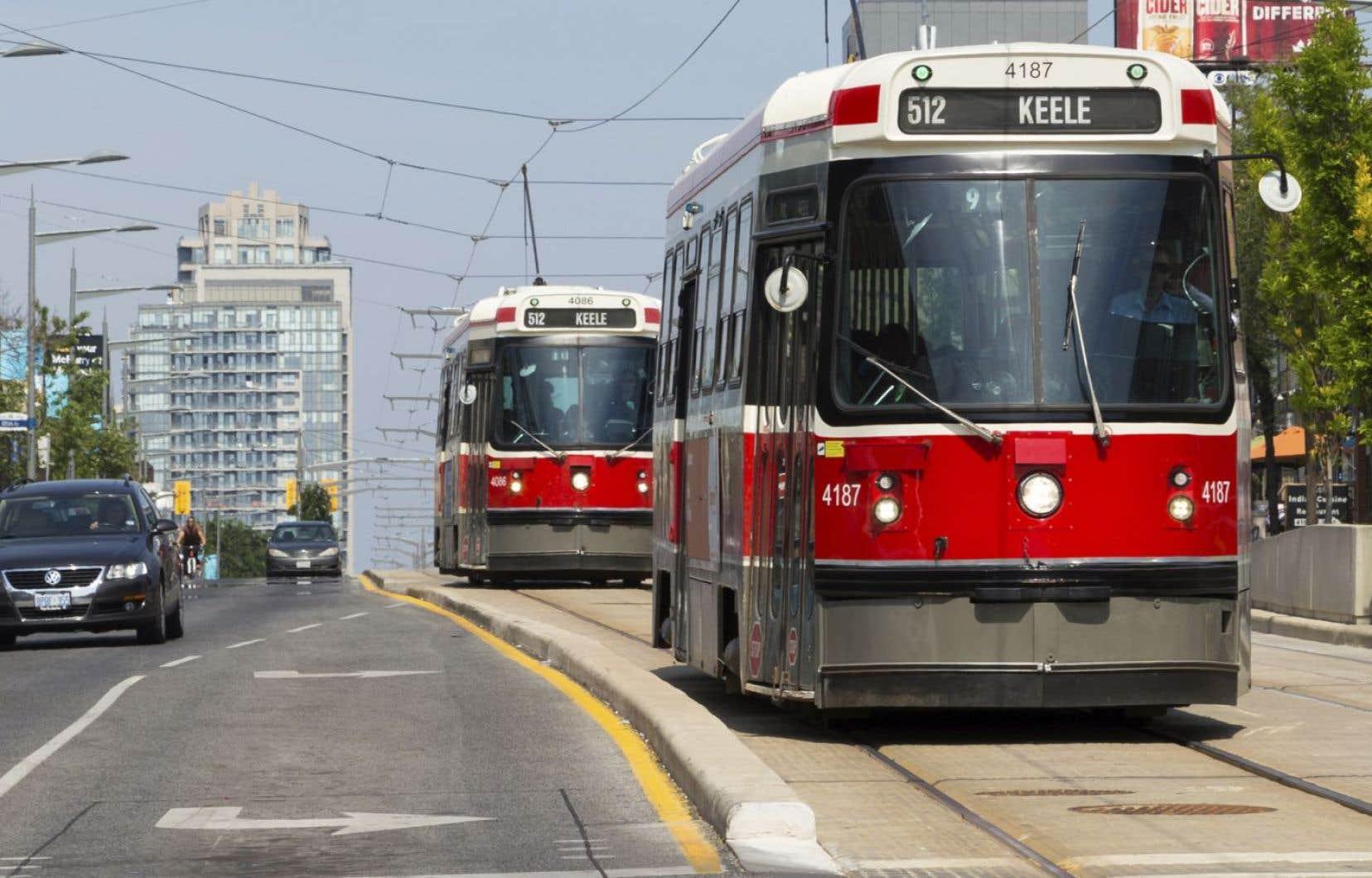 À Toronto, par exemple, il se construit maintenant dix fois plus de stations de tramway que de stations de métro.