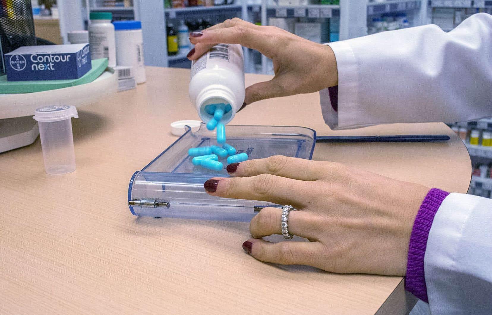 Au Québec, le Collège des médecins du Québec (CMQ) se dit « préoccupé » par l'augmentation du nombre de prescriptions d'opioïdes.