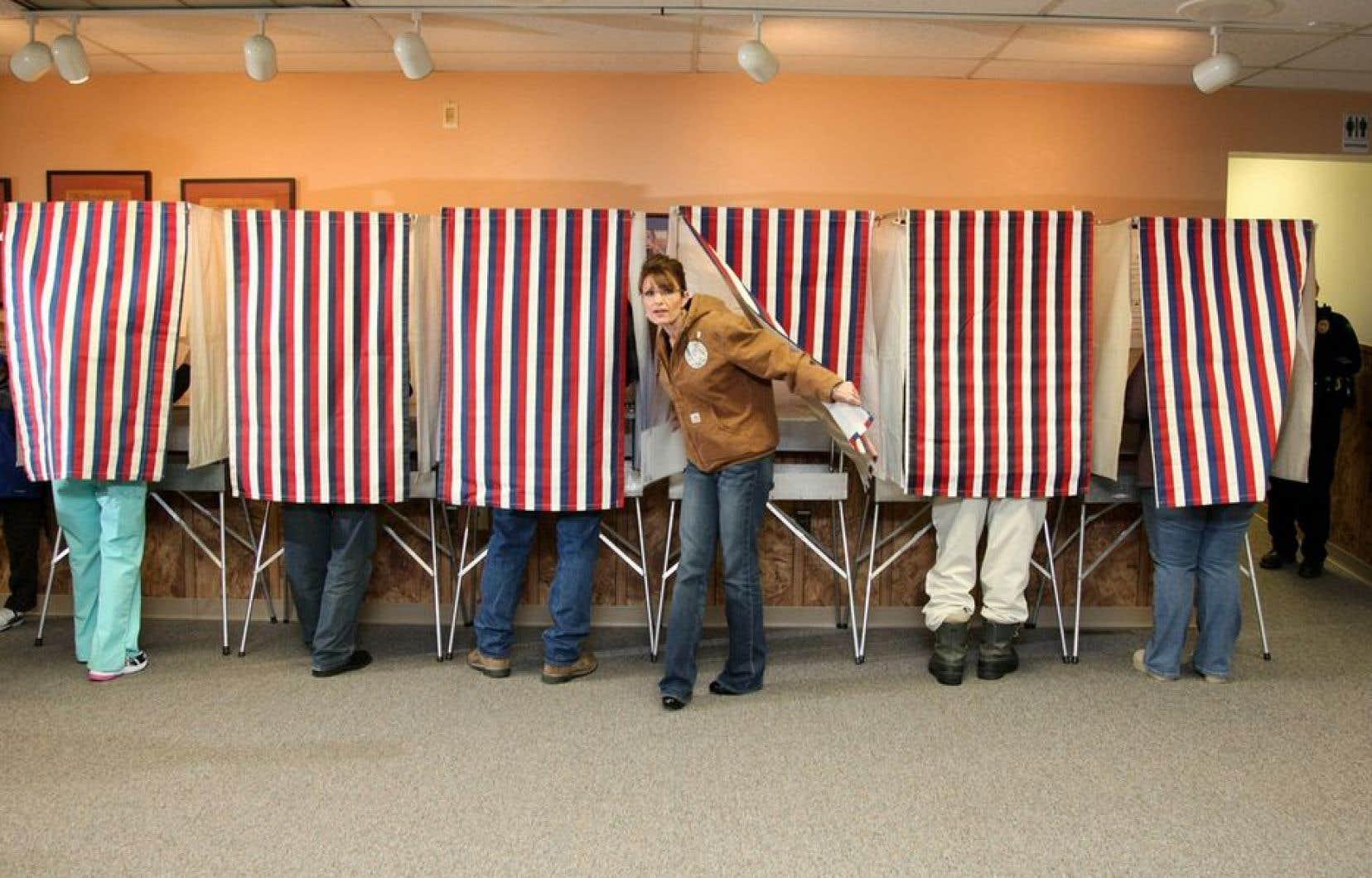 Se montrer en train de voter n'est pas que l'affaire des grands et des connus, comme Sarah Palin, ici, en 2008.