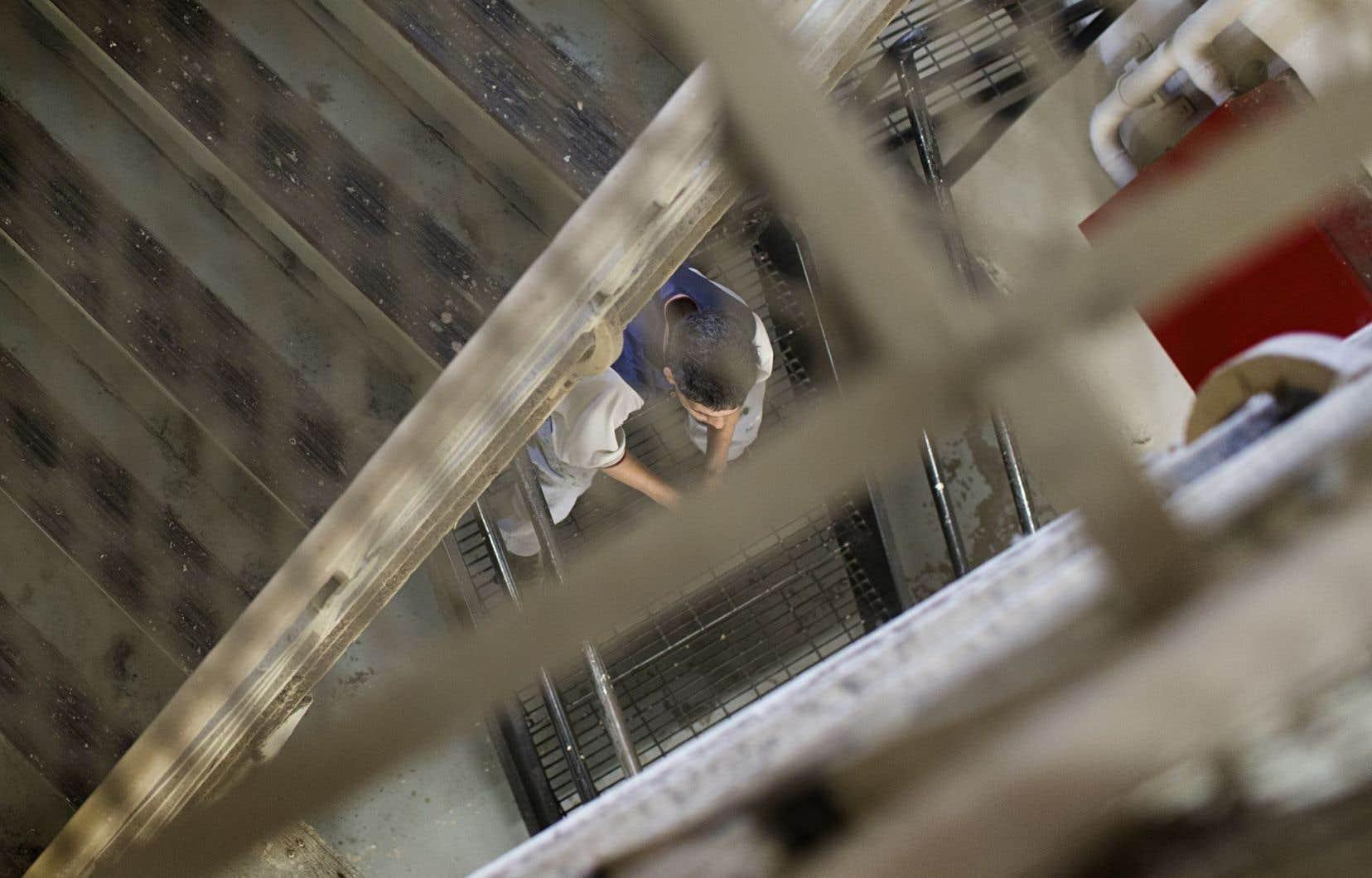 Le nombre de personnes incarcérées dans un établissement de détention québécois pour une peine discontinue a bondi de 63% en à peine trois ans.