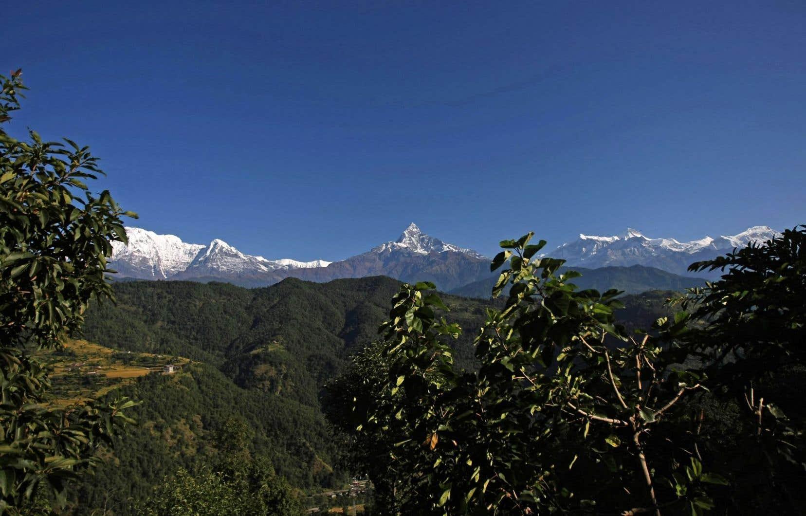 La région de l'Himalaya, au Népal, est un lieu naturel à visiter dans tous ses recoins.