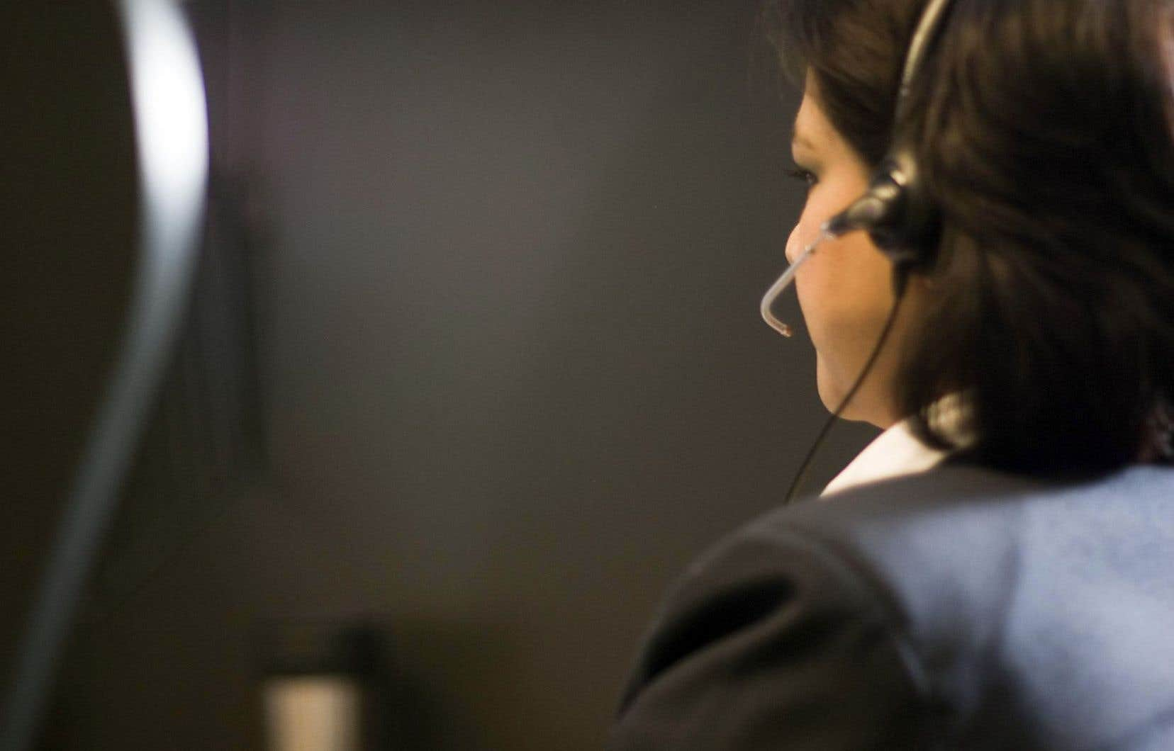 «Environ 6% de la main-d'œuvre québécoise est payée au salaire minimum. Parmi ces personnes, 90% ne sont pas syndiquées et 60% sont des femmes», précise Mélanie Gauvin, porte-parole du Front de défense des non-syndiquéEs (FDNS).