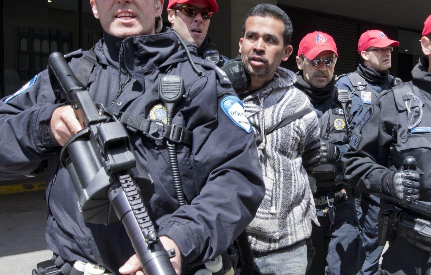Plus d'une vingtaine de manifestants ont été arrêtés.<br />