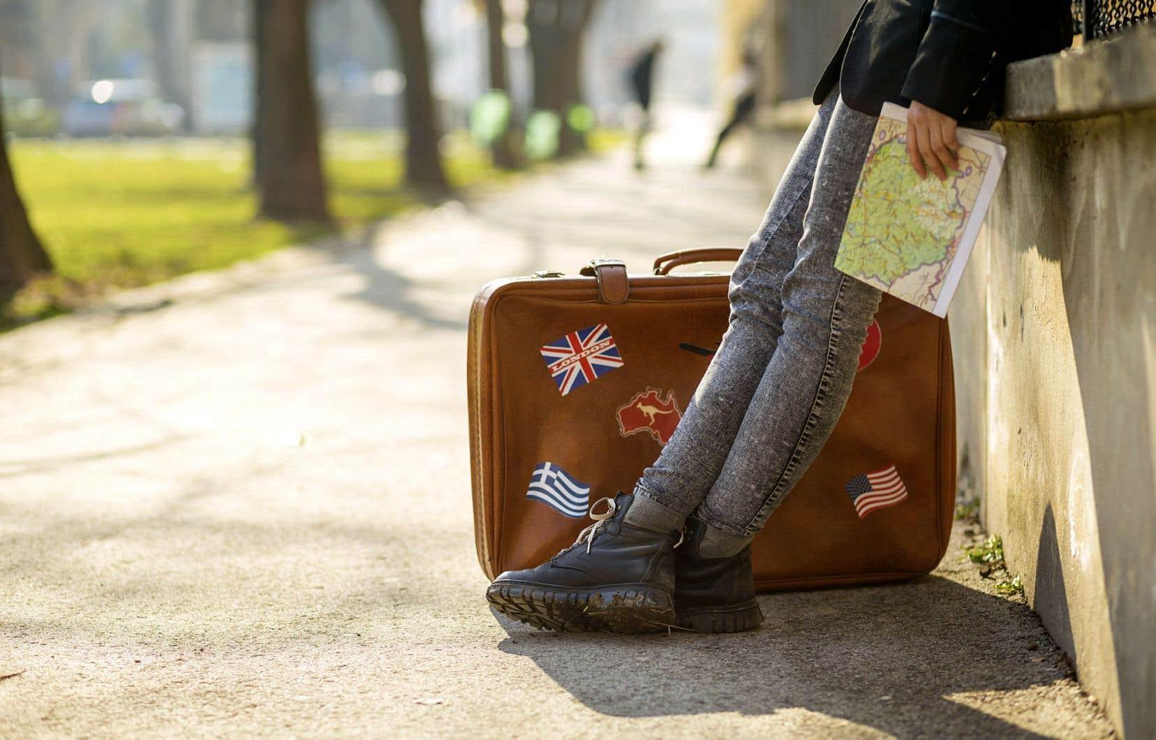 Même si les voyageurs solitaires masculins sont majoritaires (60%), le nombre d'aventurières ne cesse de croître, notent des analystes britanniques.
