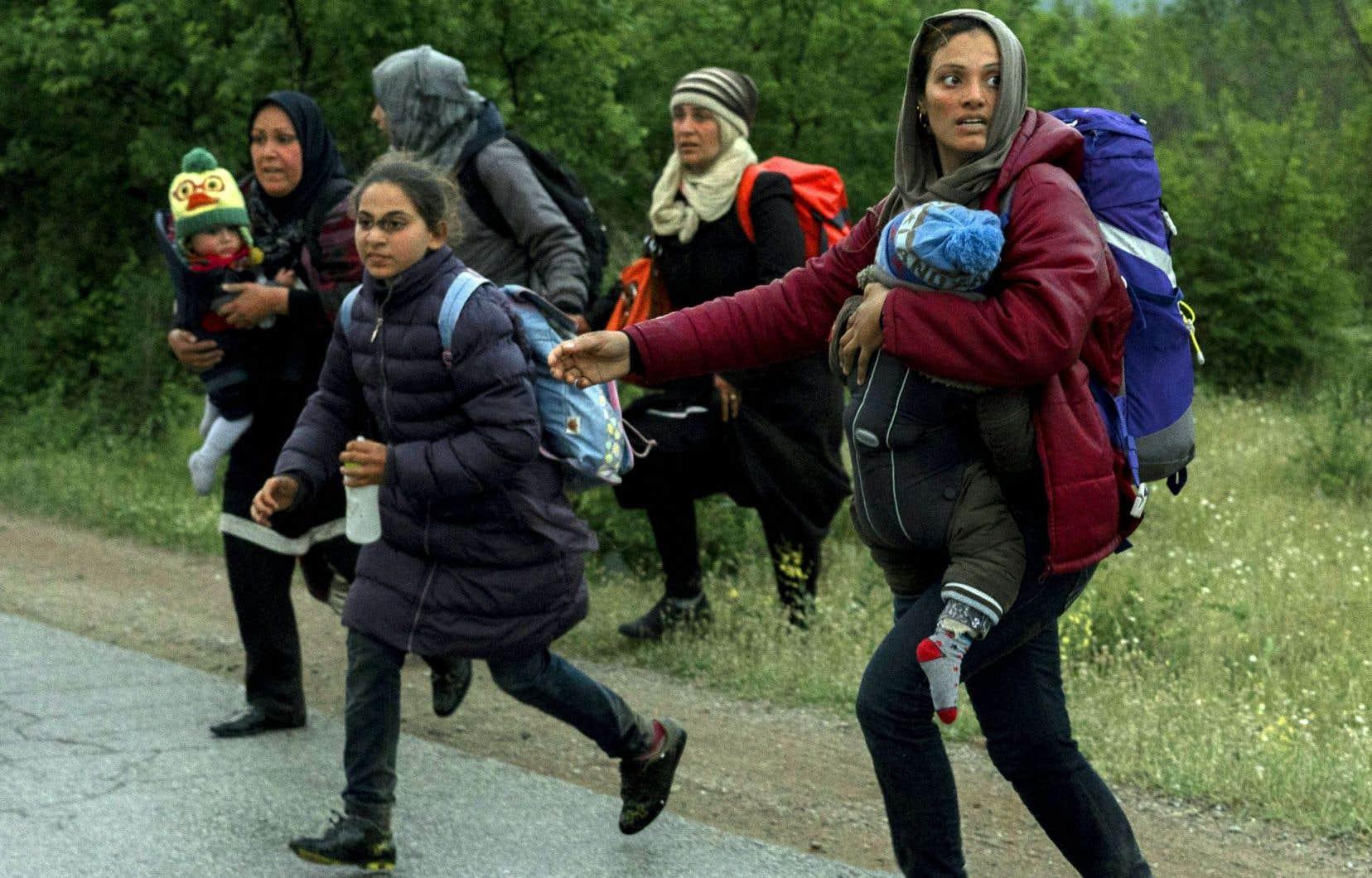 Selon Olivier Barsalou, chercheur postdoctoral à la Faculté de droit de l'Université McGill, sur le plan du vocabulaire, ce n'est jamais clair si on parle de migrants, de déplacés ou de réfugiés. À son avis, il y a des tas de questions qui méritent d'être posées clairement et un colloque lui semble une bonne façon de le faire.