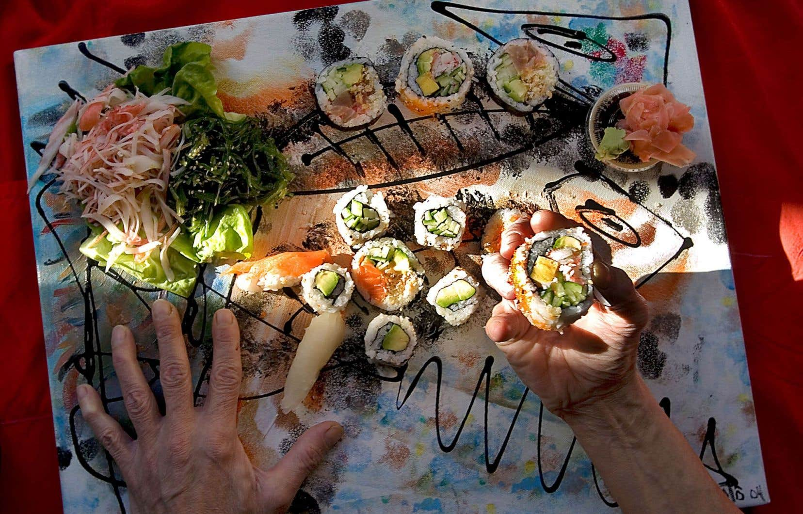 La présence de communautés d'Asie a fait en sorte que nous consommons plus de poissons et de mollusques, notamment crus, comme dans les sushis.