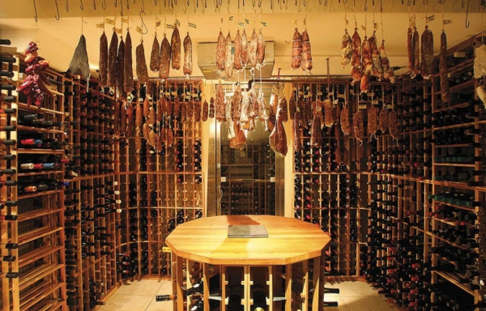 Le restaurant DNA propose un voyage gastronomique avec ses vins et ses charcuteries maison.