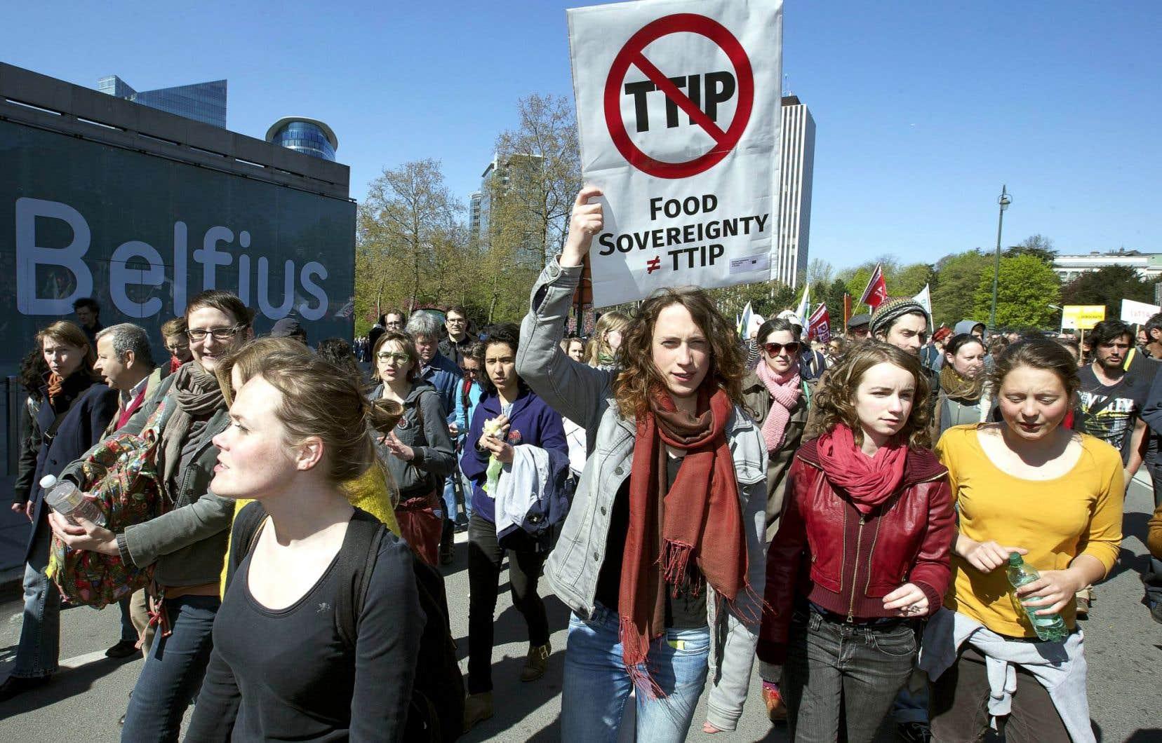 L'opinion publique dénonce de plus en plus les accords de libre-échange, comme ici en Belgique.